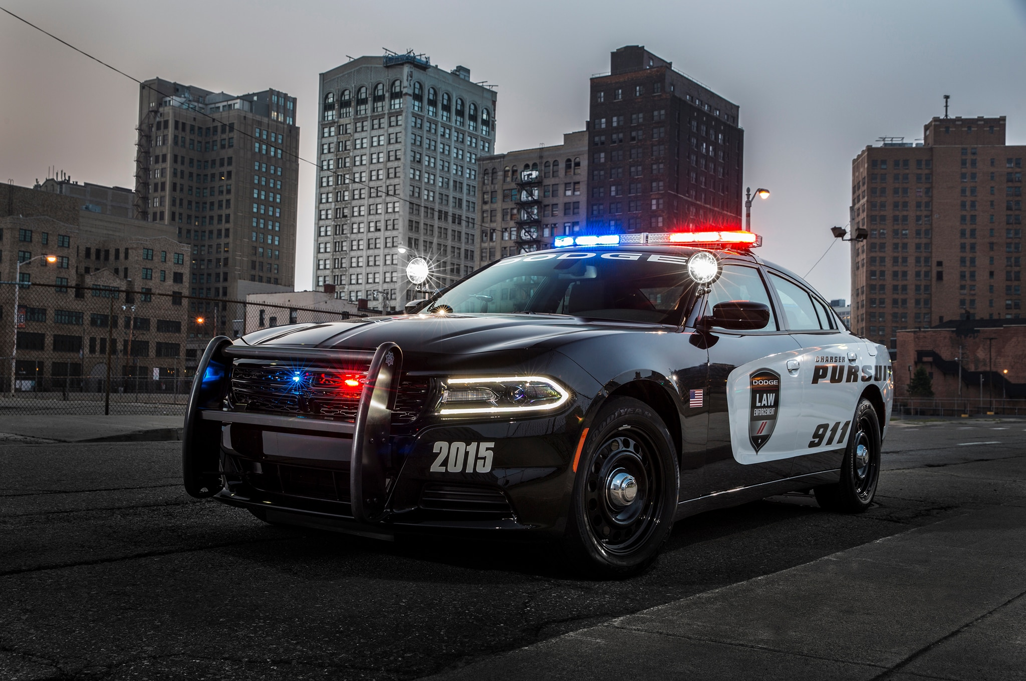 2015 Dodge Charger Pursuit 01 Front Three Quarter1