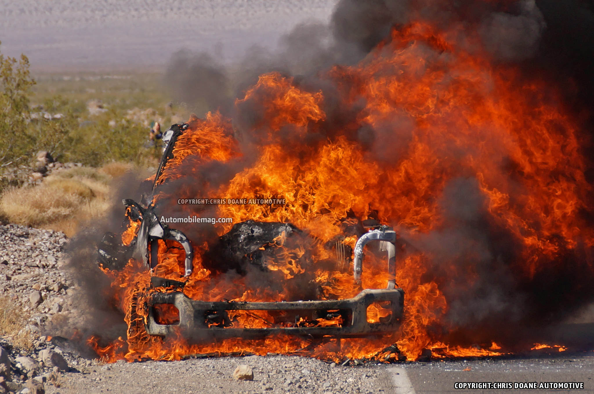 2016 Ford Super Duty >> 2016 Ford F-Series Super Duty Prototype Catches Fire, Burns in Desert