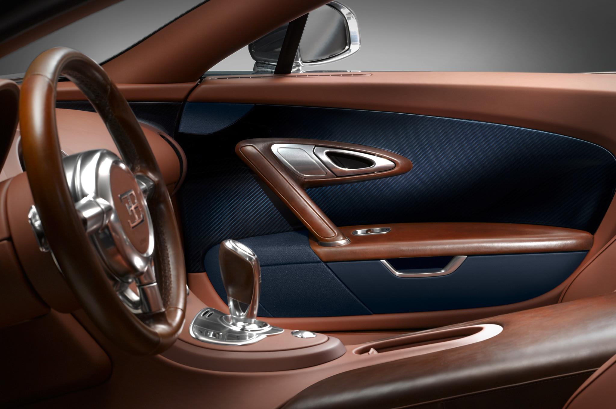 Bugatti-Veyron-Grand-Sport-Vitesse-Legends-Ettore-Bugatti-interior-door-panel Stunning Bugatti Veyron 16.4 Grand Sport Vitesse Interior Cars Trend