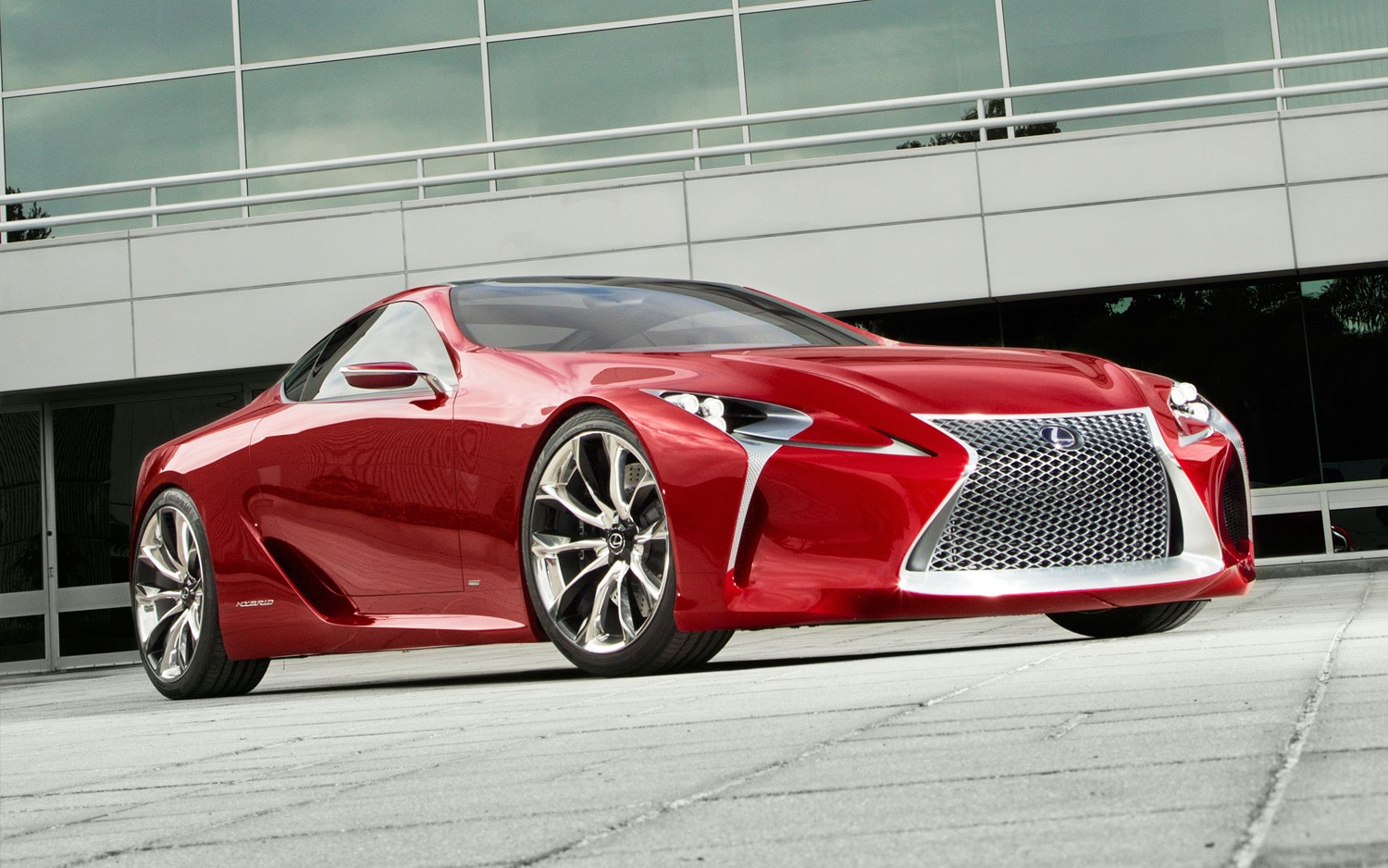 Lexus LF LC Concept Front Three Quarter Low1