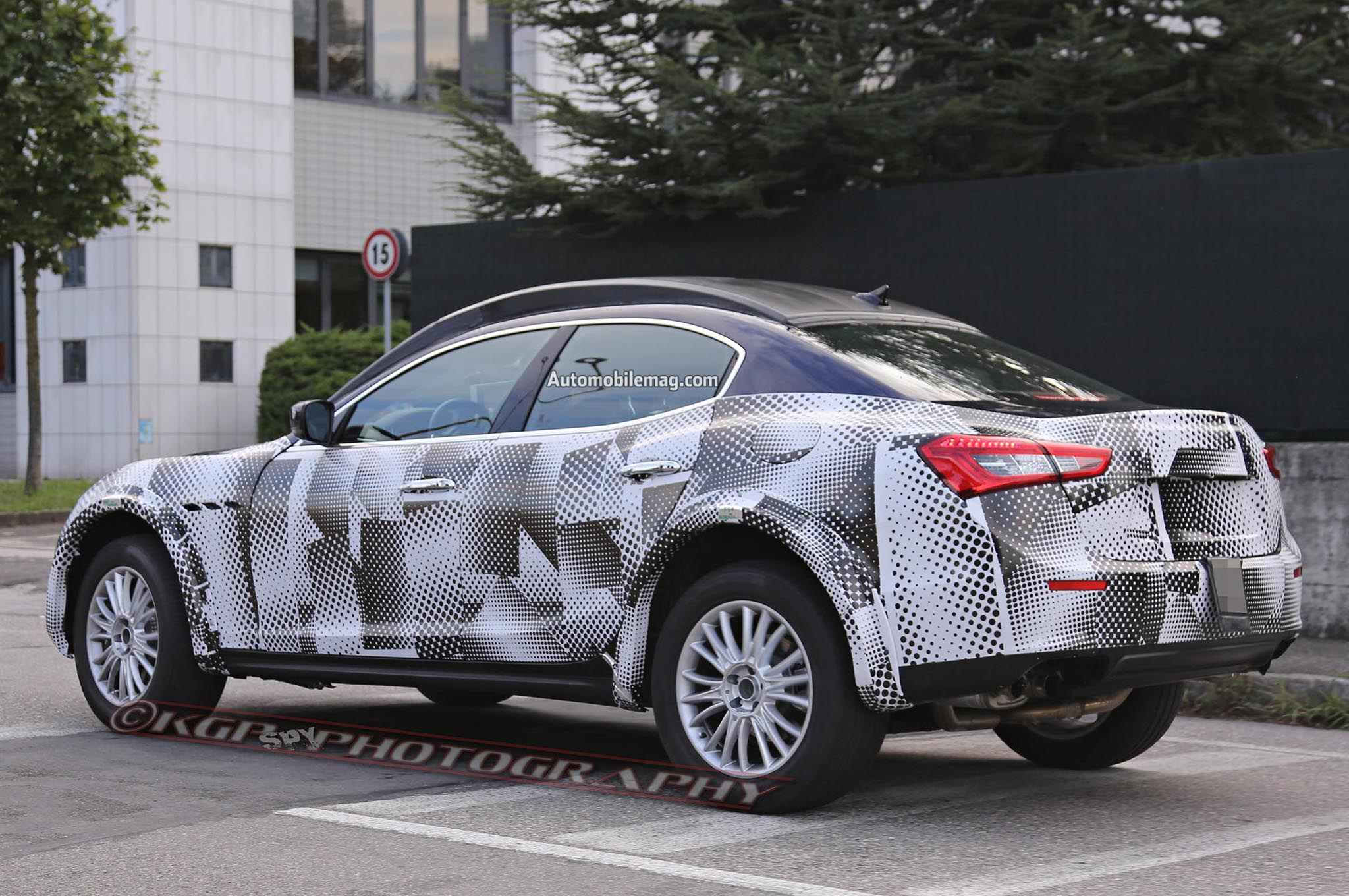 maserati levante suv mule spied testing. Black Bedroom Furniture Sets. Home Design Ideas