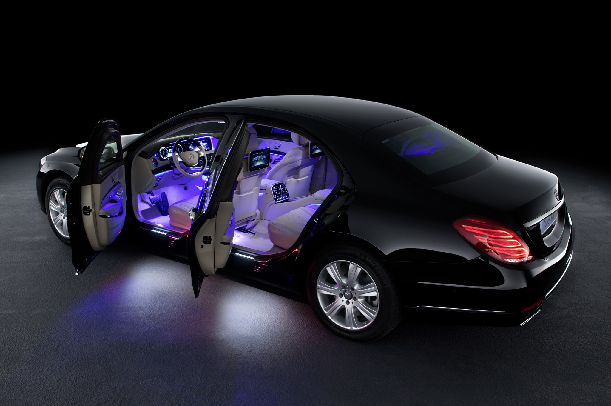 Mercedes Benz S600 Guard Doors Open1