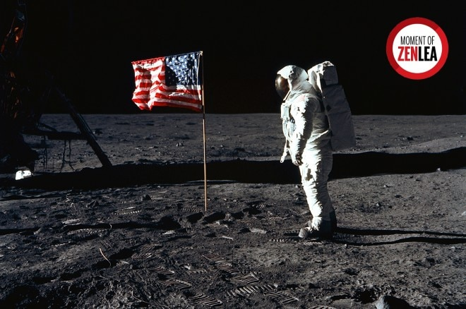 Moment Of Zenlea Nasa Man On The Moon 660x438