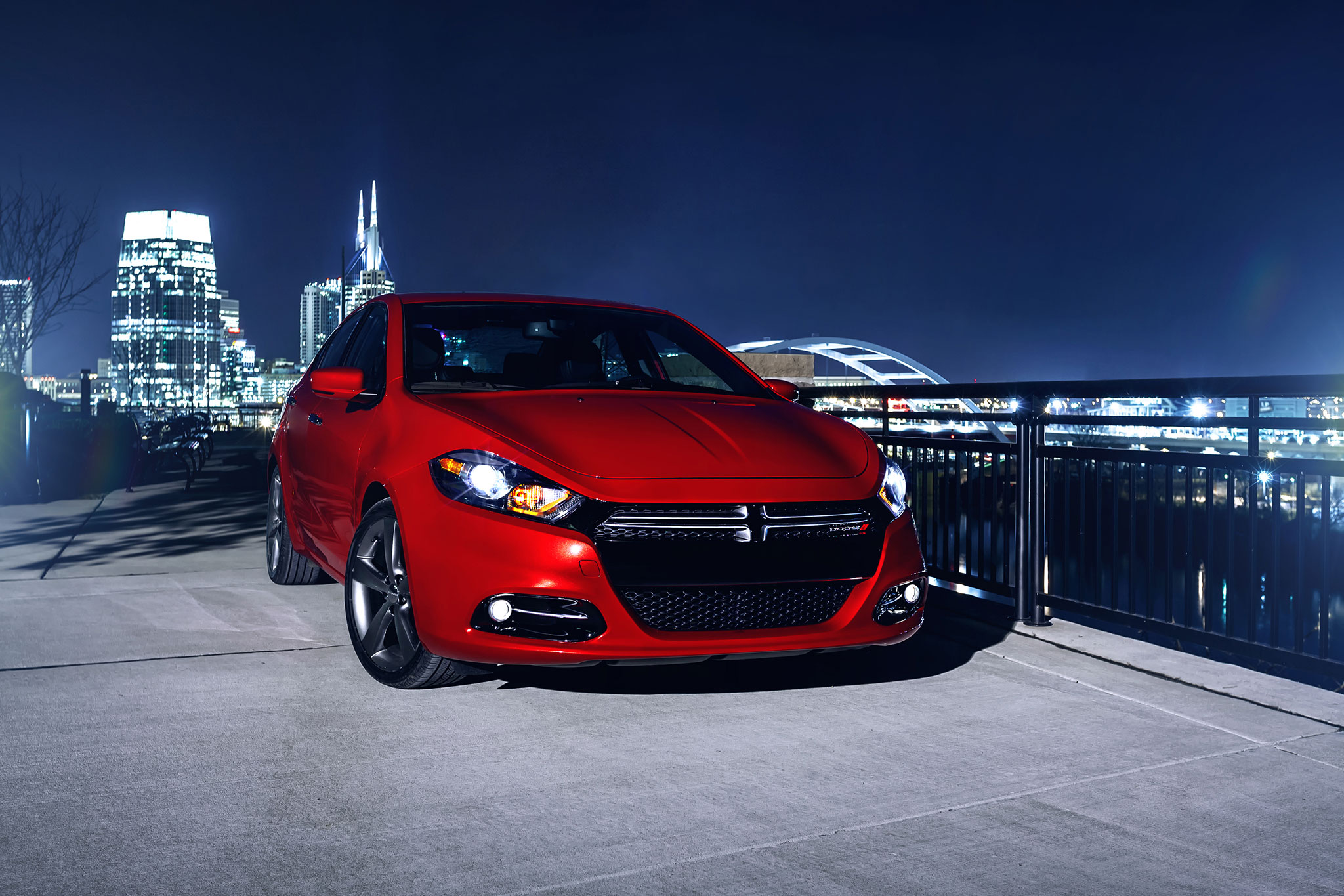 2014 Dodge Dart GT Front View1