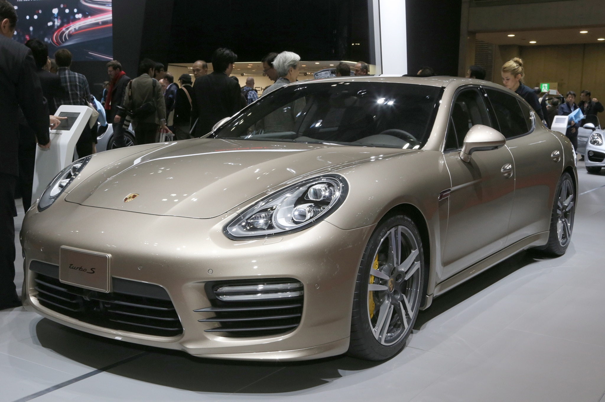 limited run porsche panamera special edition planned. Black Bedroom Furniture Sets. Home Design Ideas