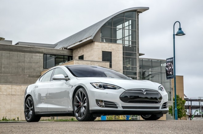 2014 Tesla Model S Front Three Quarter 660x438
