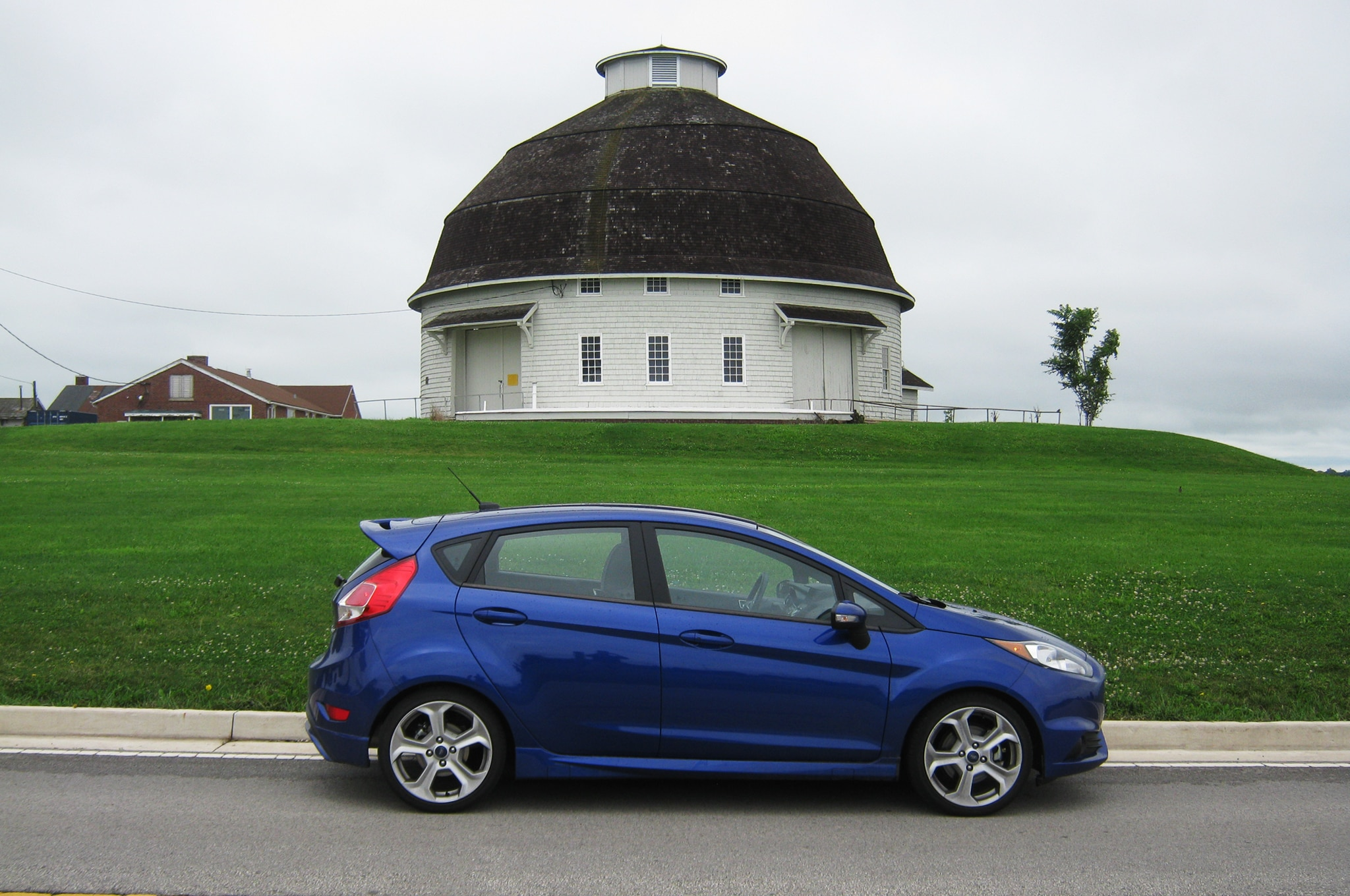 2014 ford fiesta st hitting the open road. Black Bedroom Furniture Sets. Home Design Ideas