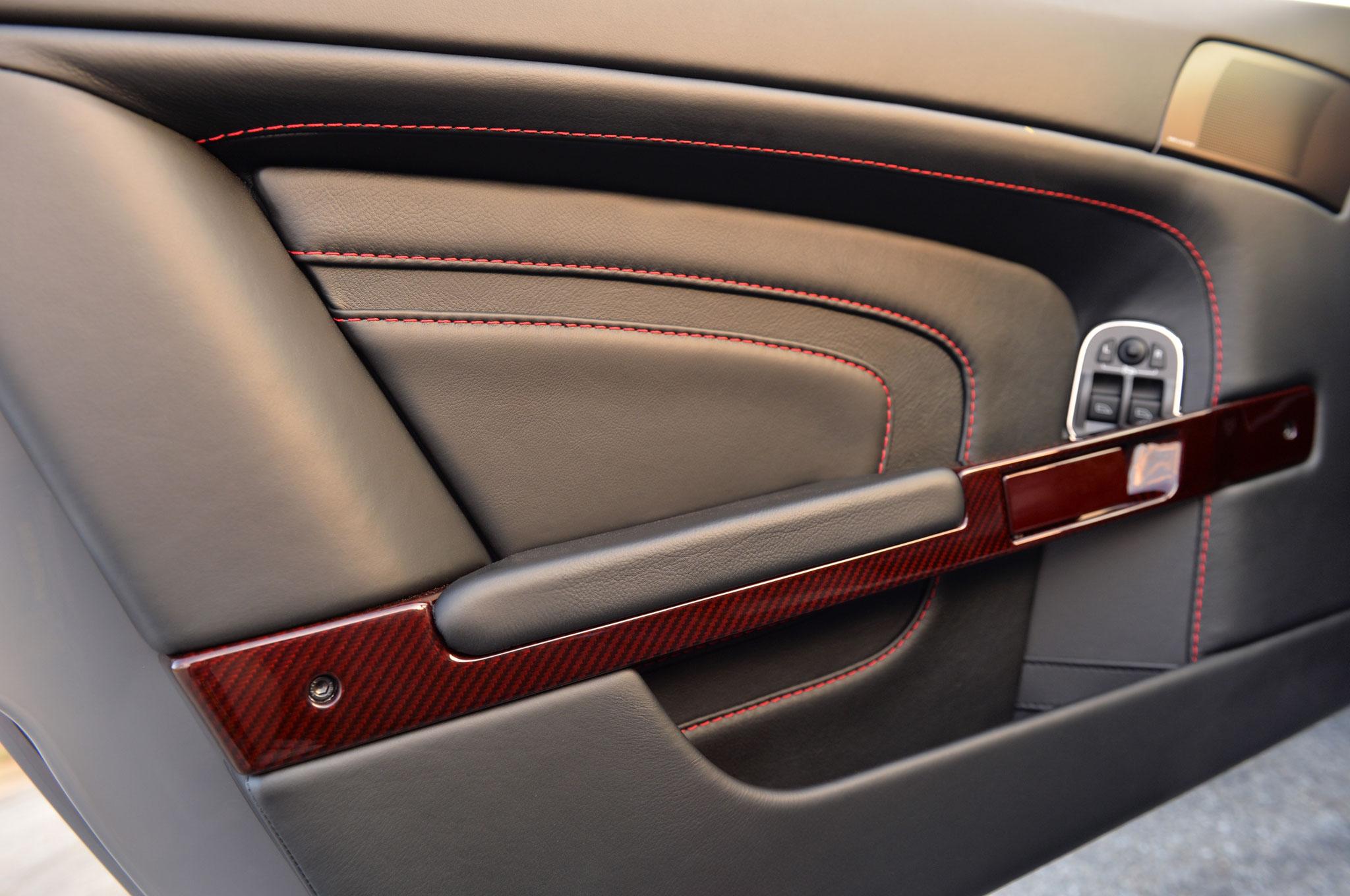 Aston Martin V Vantage S Roadster Driver Door Panel