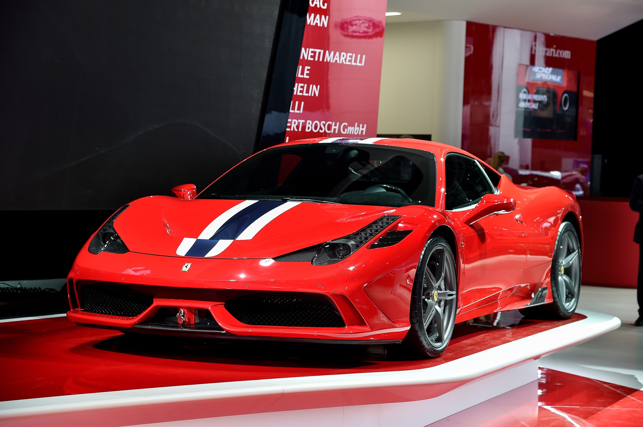 2015 ferrari 458 speciale a bows in paris. Black Bedroom Furniture Sets. Home Design Ideas
