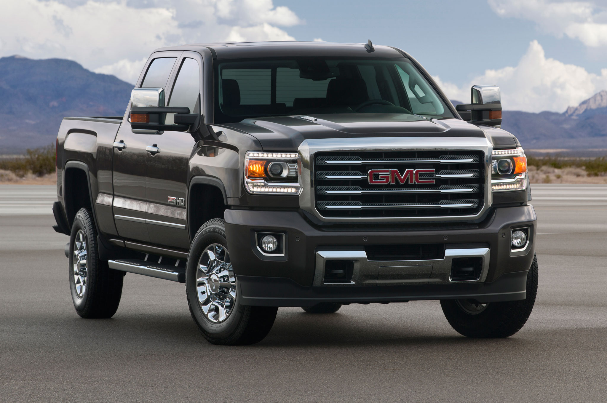 2015 GMC Sierra HD All Terrain Front Side View2