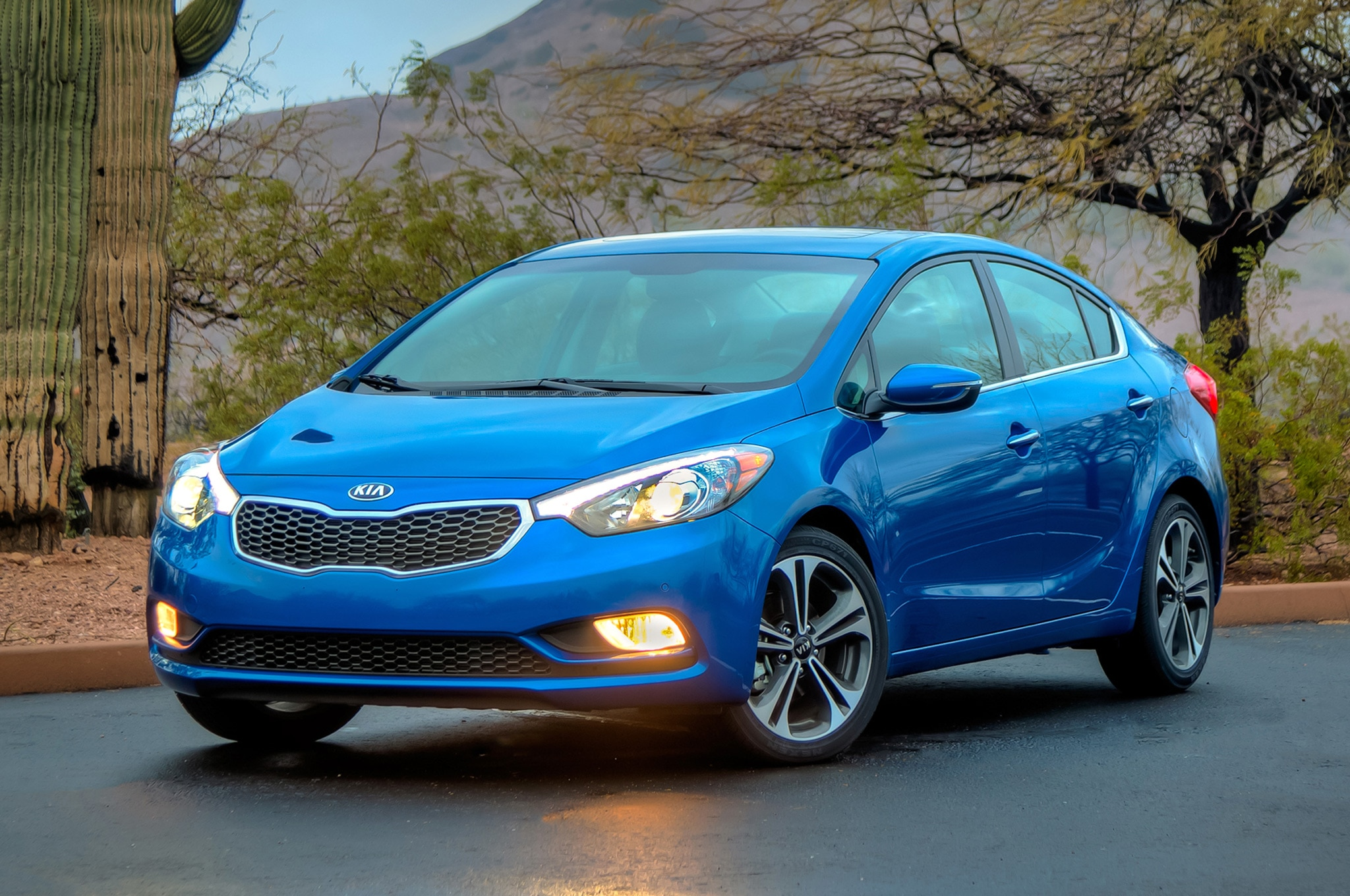 2015 kia forte sedan awarded five star nhtsa safety rating. Black Bedroom Furniture Sets. Home Design Ideas