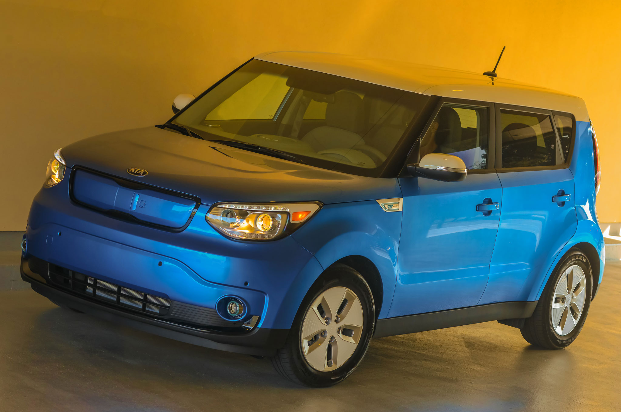 2015 kia soul ev review. Black Bedroom Furniture Sets. Home Design Ideas