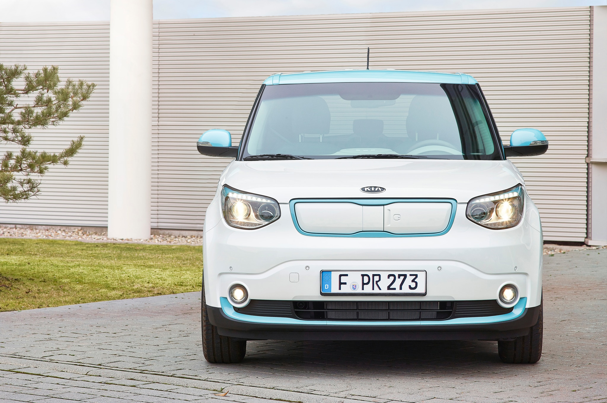 2015 kia soul ev starts at 34 500 available to lease for. Black Bedroom Furniture Sets. Home Design Ideas