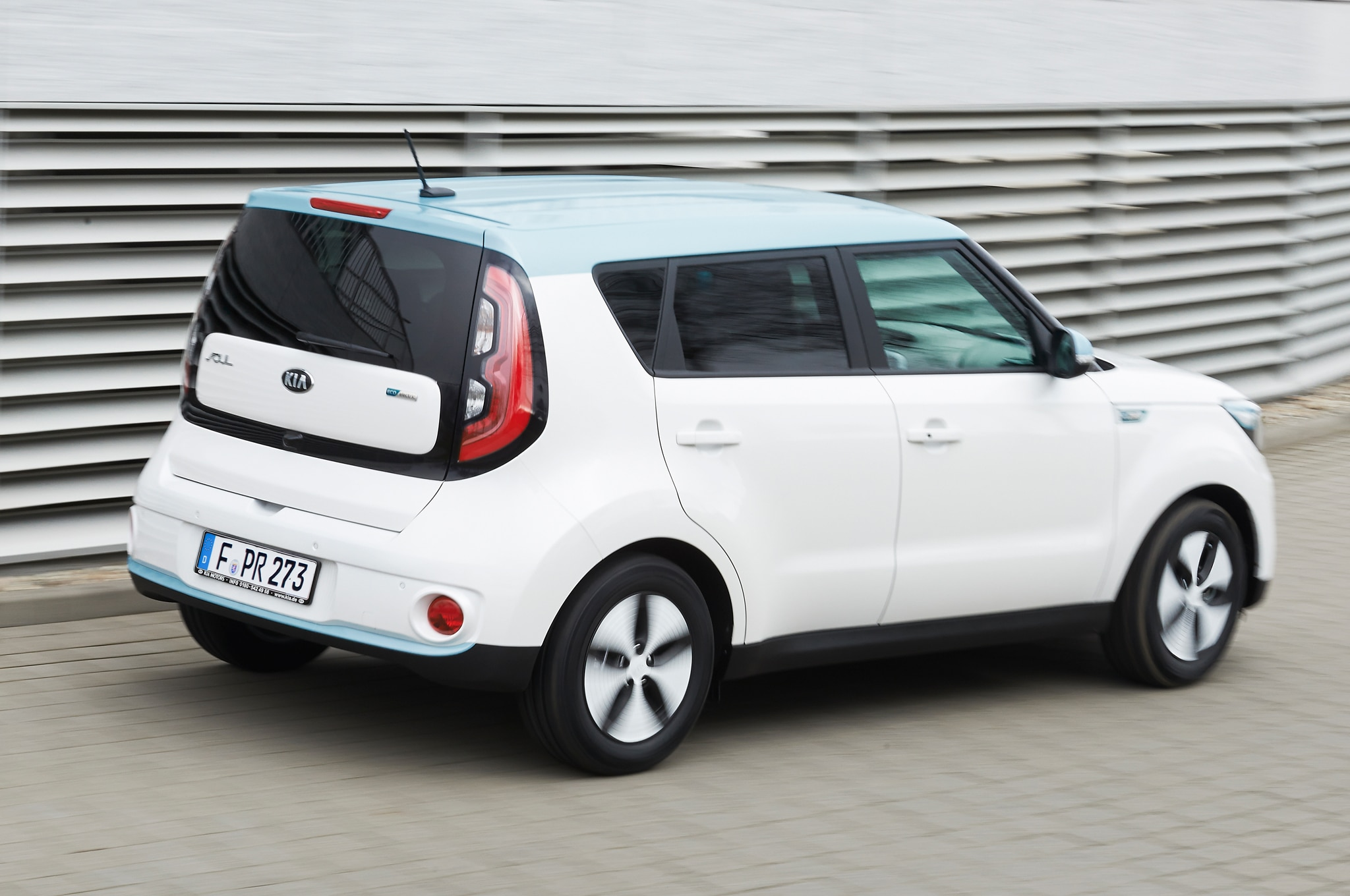 2015 kia soul ev starts at 34 500 available to lease for 249 month. Black Bedroom Furniture Sets. Home Design Ideas