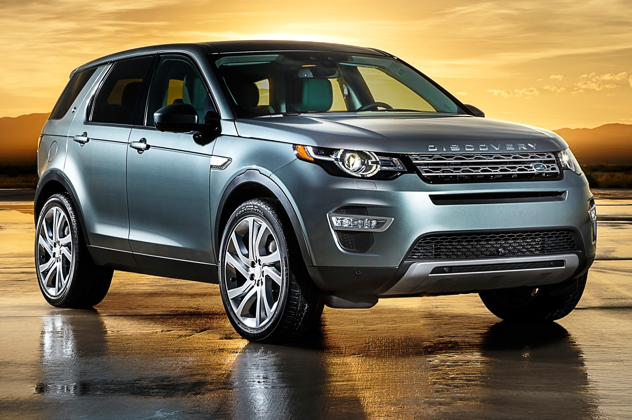 2015 Land Rover Discovery Sport Front Side View