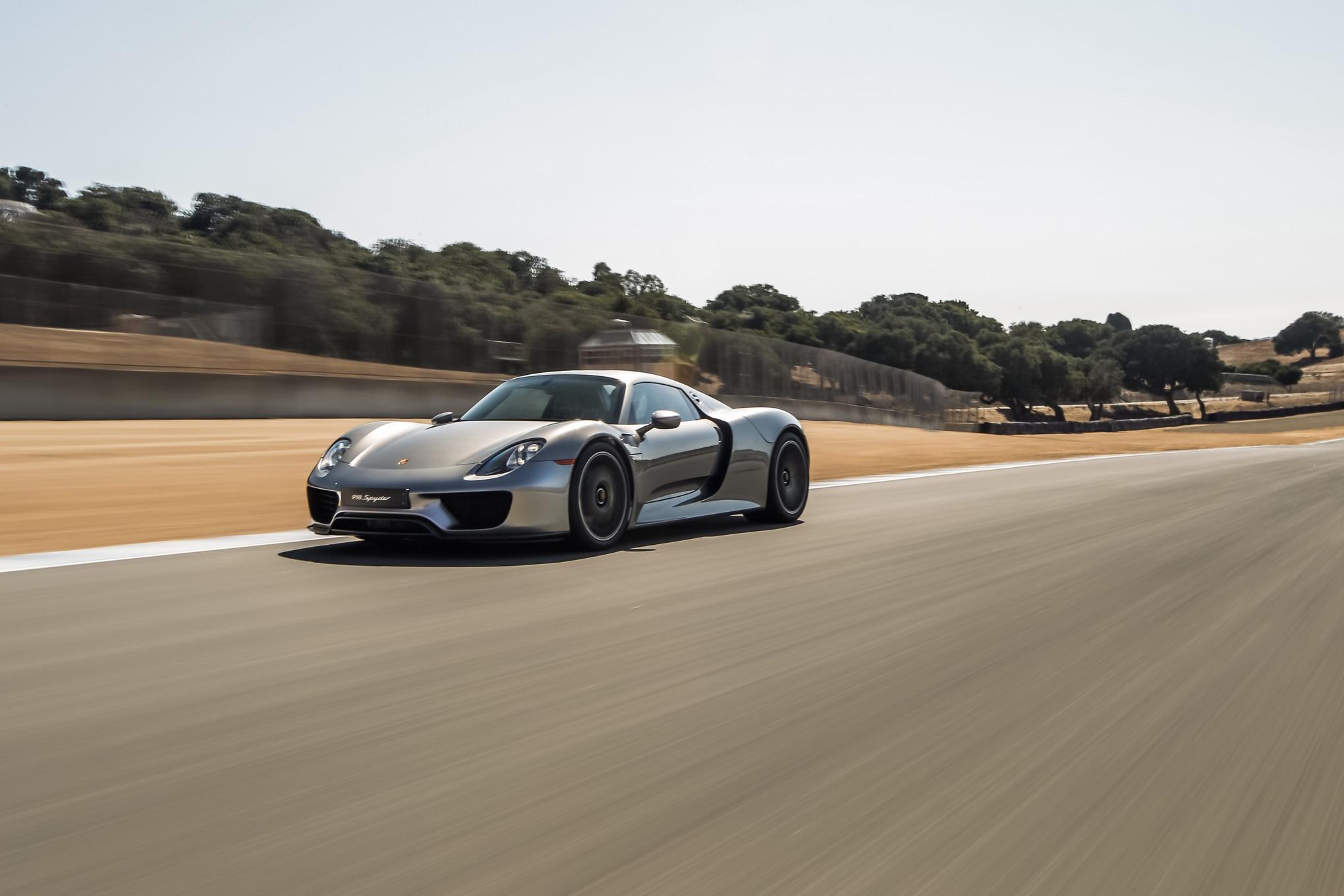 2015-Porsche-918-Spyder-front-three-quarters-in-motion Inspiring 2015 Porsche 918 Spyder Quarter Mile Cars Trend