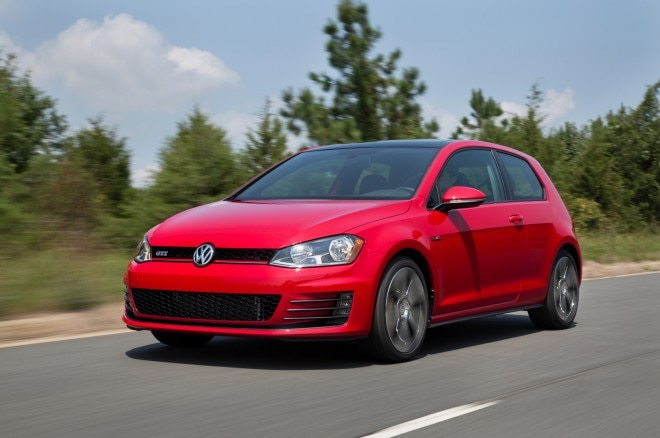 2015 Volkswagen Golf GTI Front Three Quarter In Motion 021 660x438