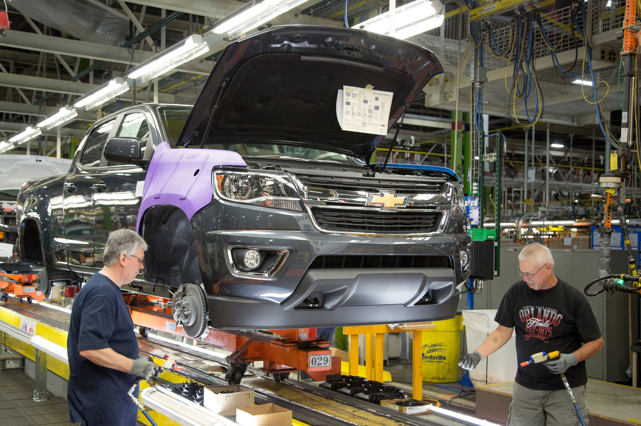 GM Adding Shift for Chevrolet Colorado, GMC Canyon Production