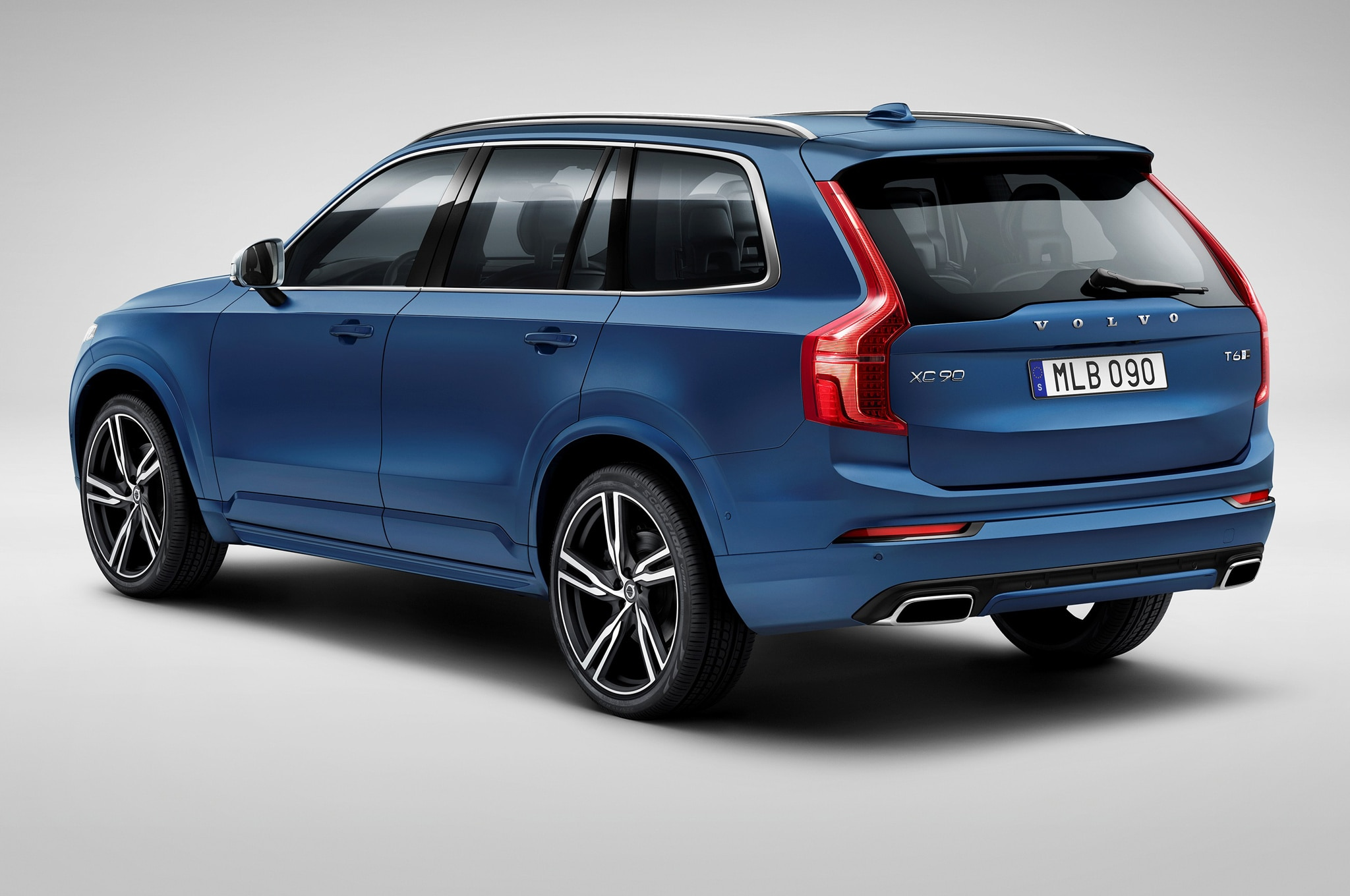 Volvo xc90 r design one week with 2016 volvo xc90 t6 awd r design