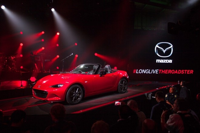 2016 Mazda Mx 5 Miata Live Reveal Front Three Quarters 021 660x438