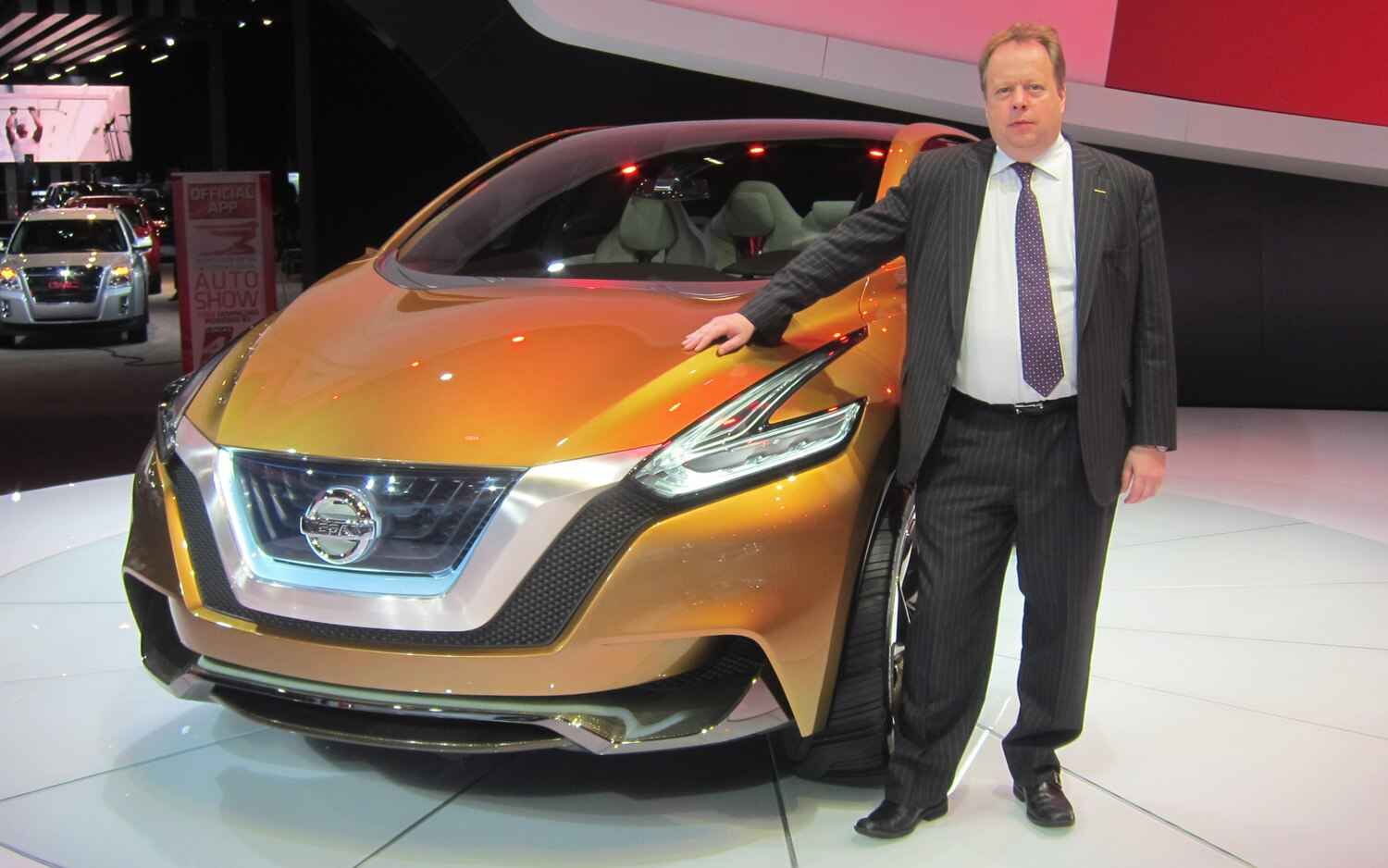 Andy Palmer With Nissan Resonance Concept 1