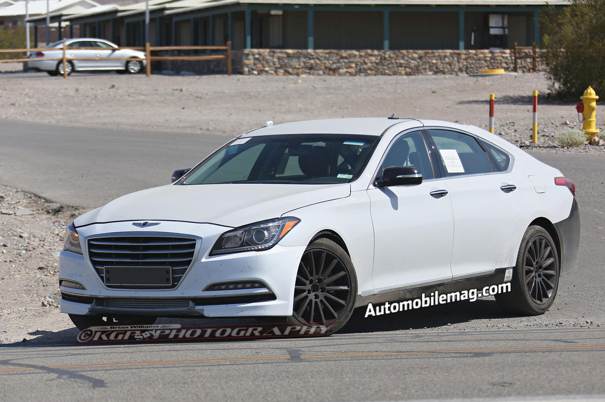 Hyundai Equus prototype spy photos front three quarter 2