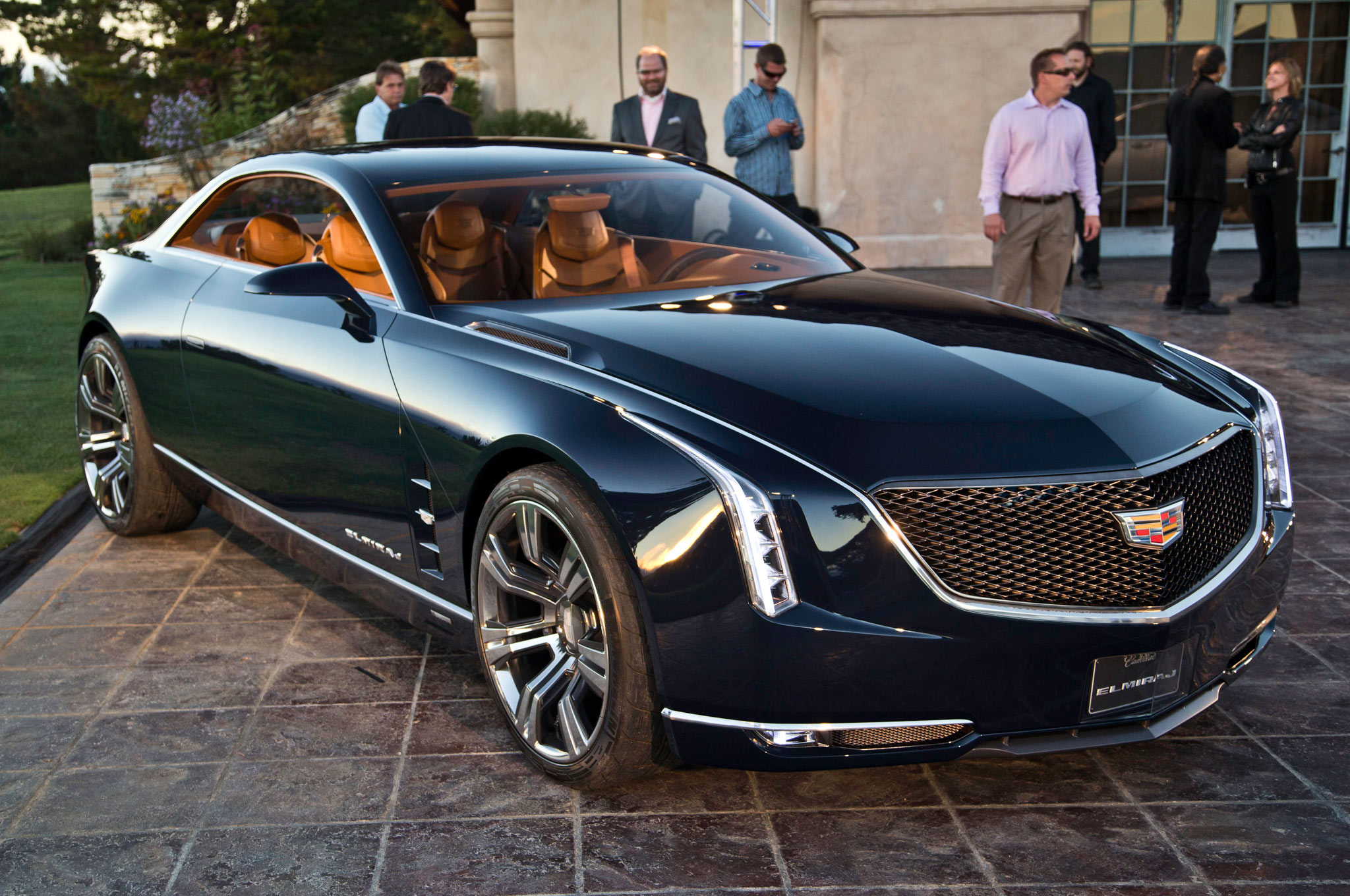 limos review watch entering luxury of new cadillac the class