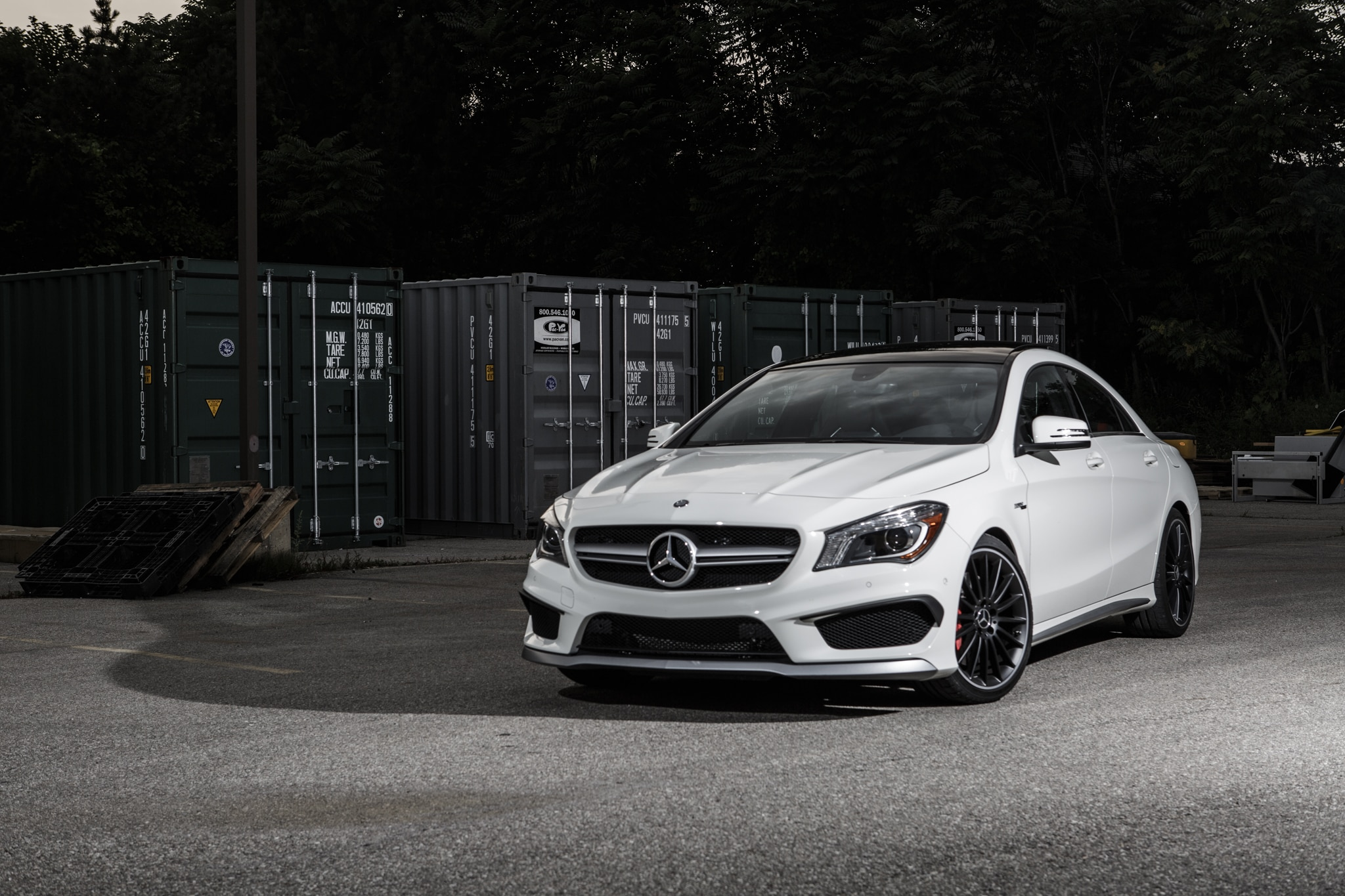 2014 mercedes benz cla45 amg around the block. Black Bedroom Furniture Sets. Home Design Ideas