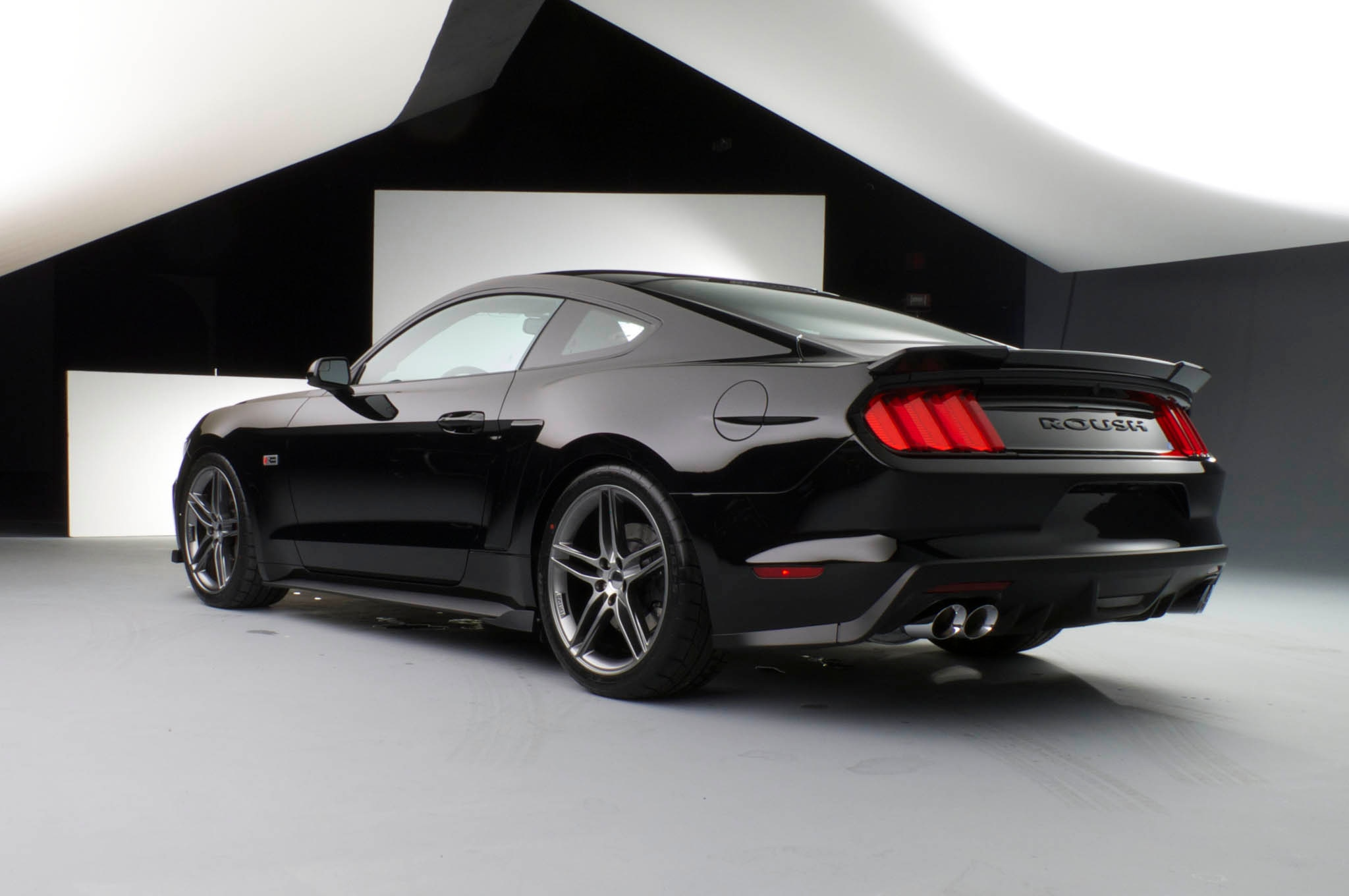 roush introduces upgrade kits for 2015 ford mustang. Black Bedroom Furniture Sets. Home Design Ideas