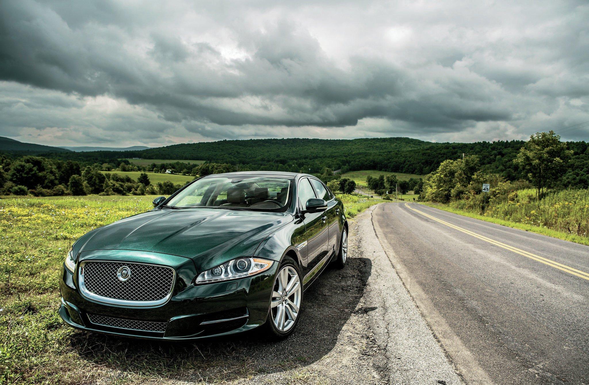 cars xj new lg hybrid photos news spy future caught testing jaguar xjl plug in