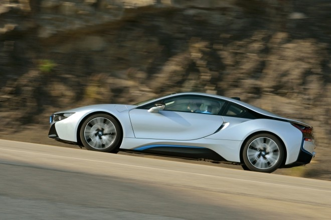 2014 BMW I8 Side Profile In Motion 042 660x440