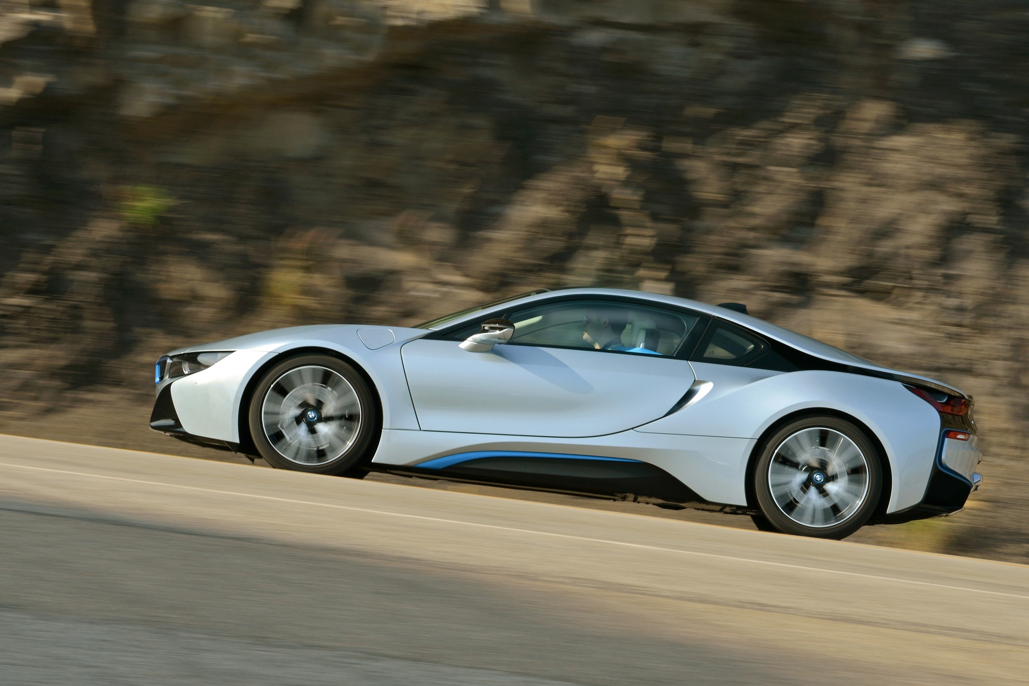 2014 BMW I8 Side Profile In Motion 042