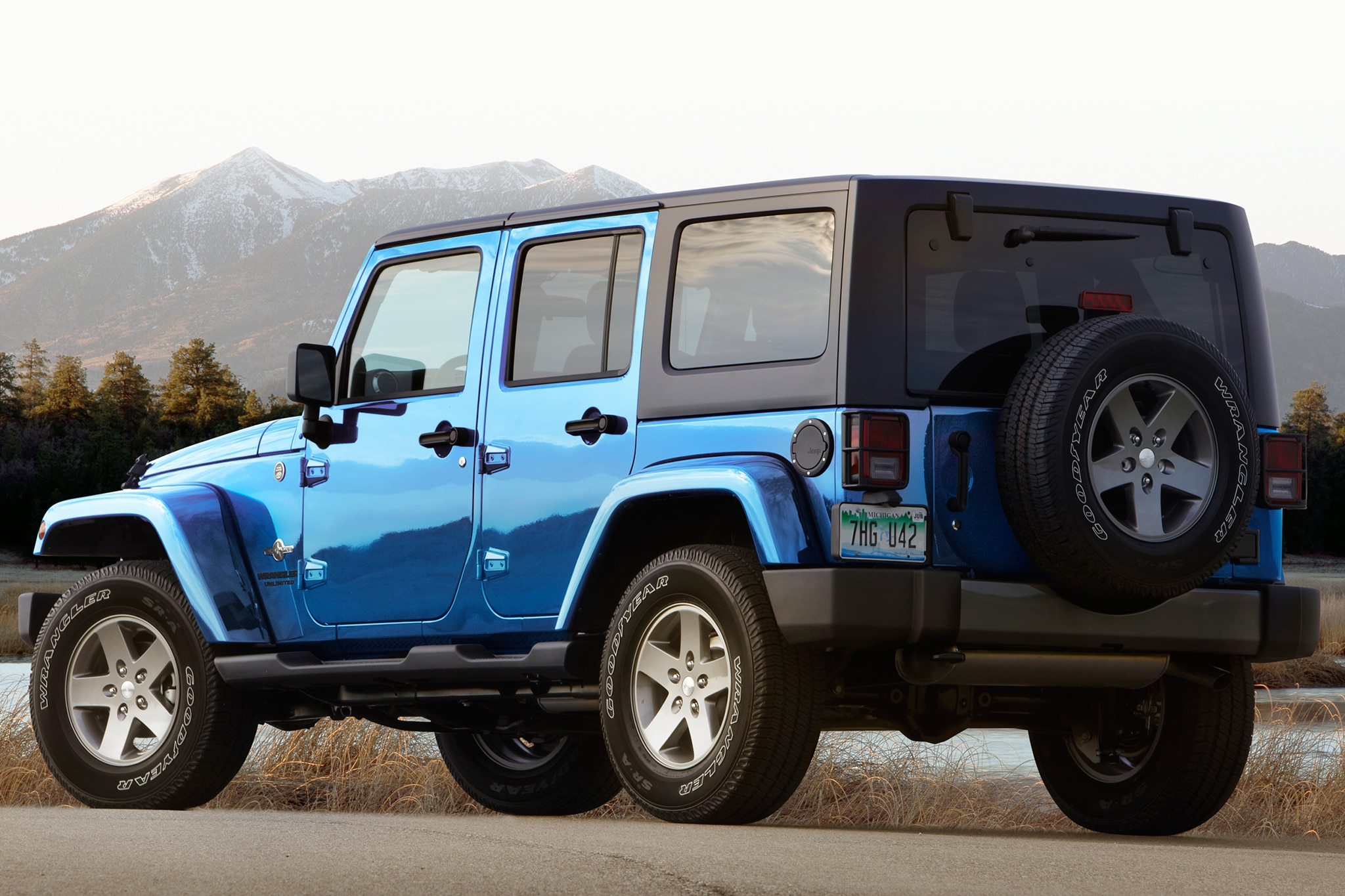 report next jeep wrangler to remain body on frame. Black Bedroom Furniture Sets. Home Design Ideas