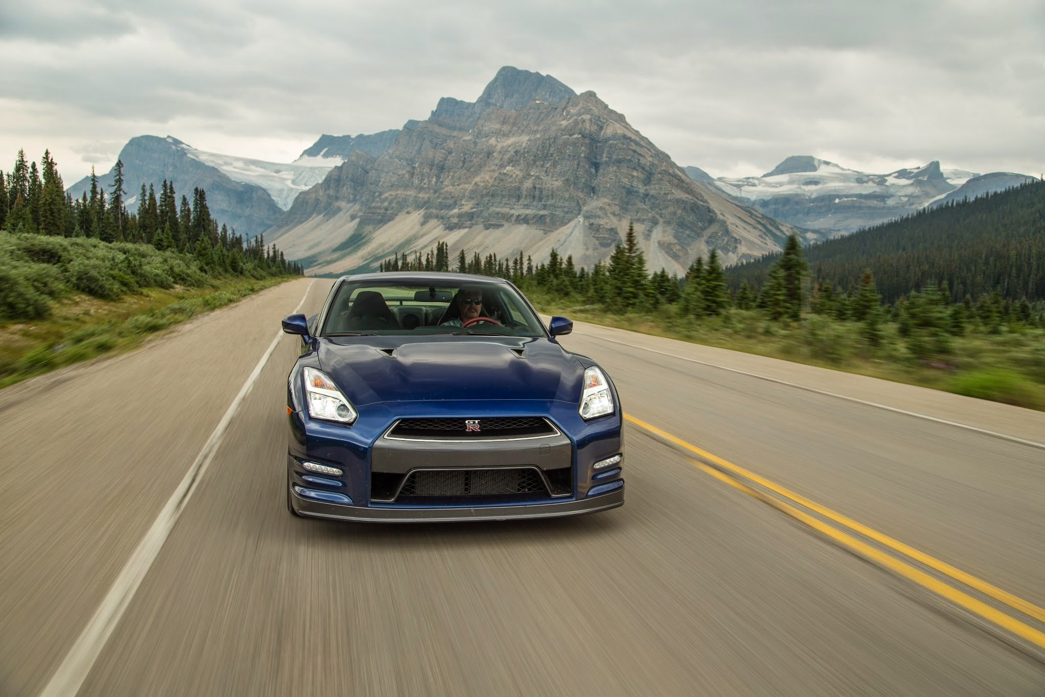 epic drives takes a 2015 nissan gt r to the canadian rockies. Black Bedroom Furniture Sets. Home Design Ideas
