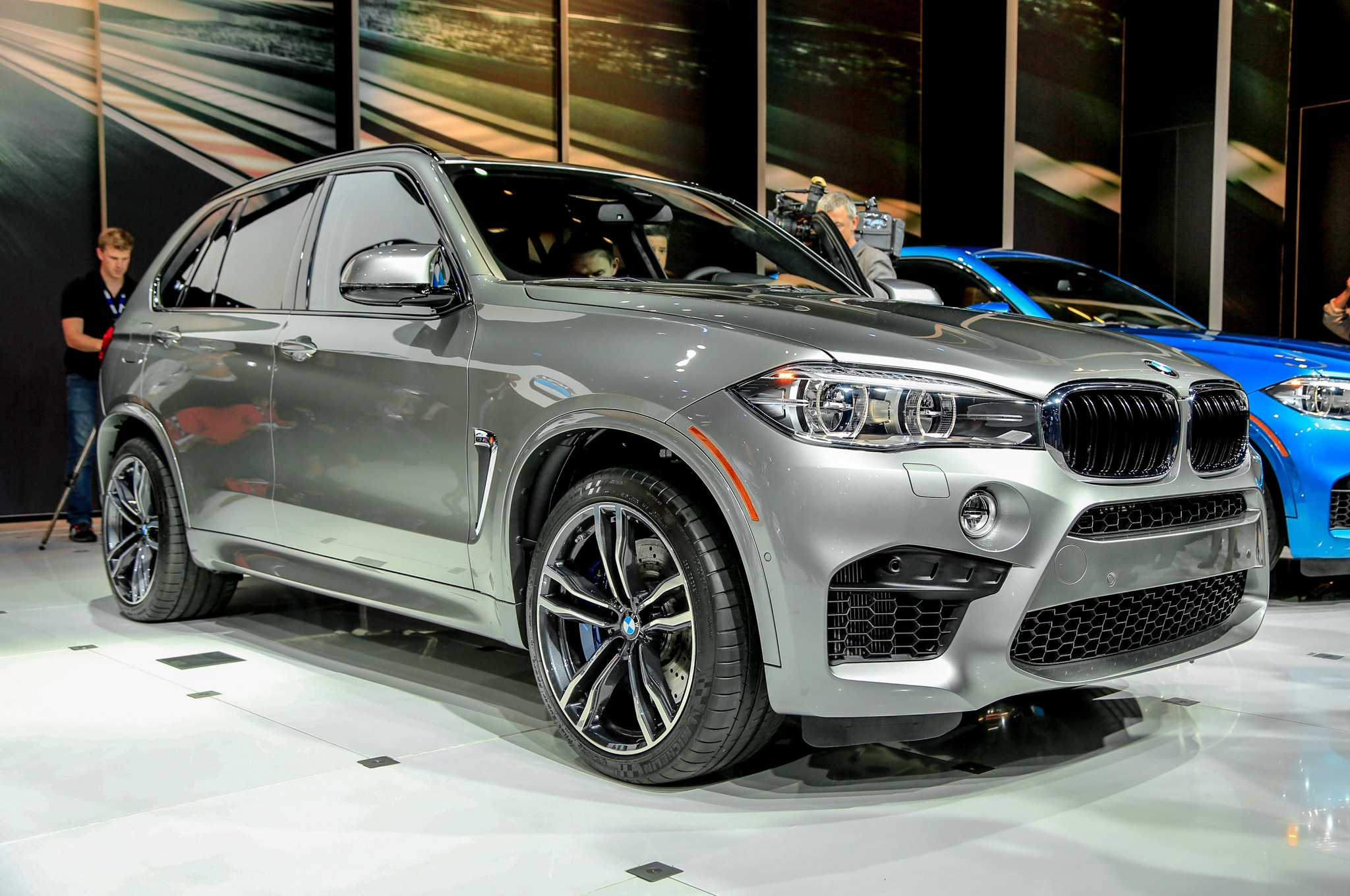 2015 bmw x5 m and x6 m revealed slated for 2014 los angeles show. Black Bedroom Furniture Sets. Home Design Ideas