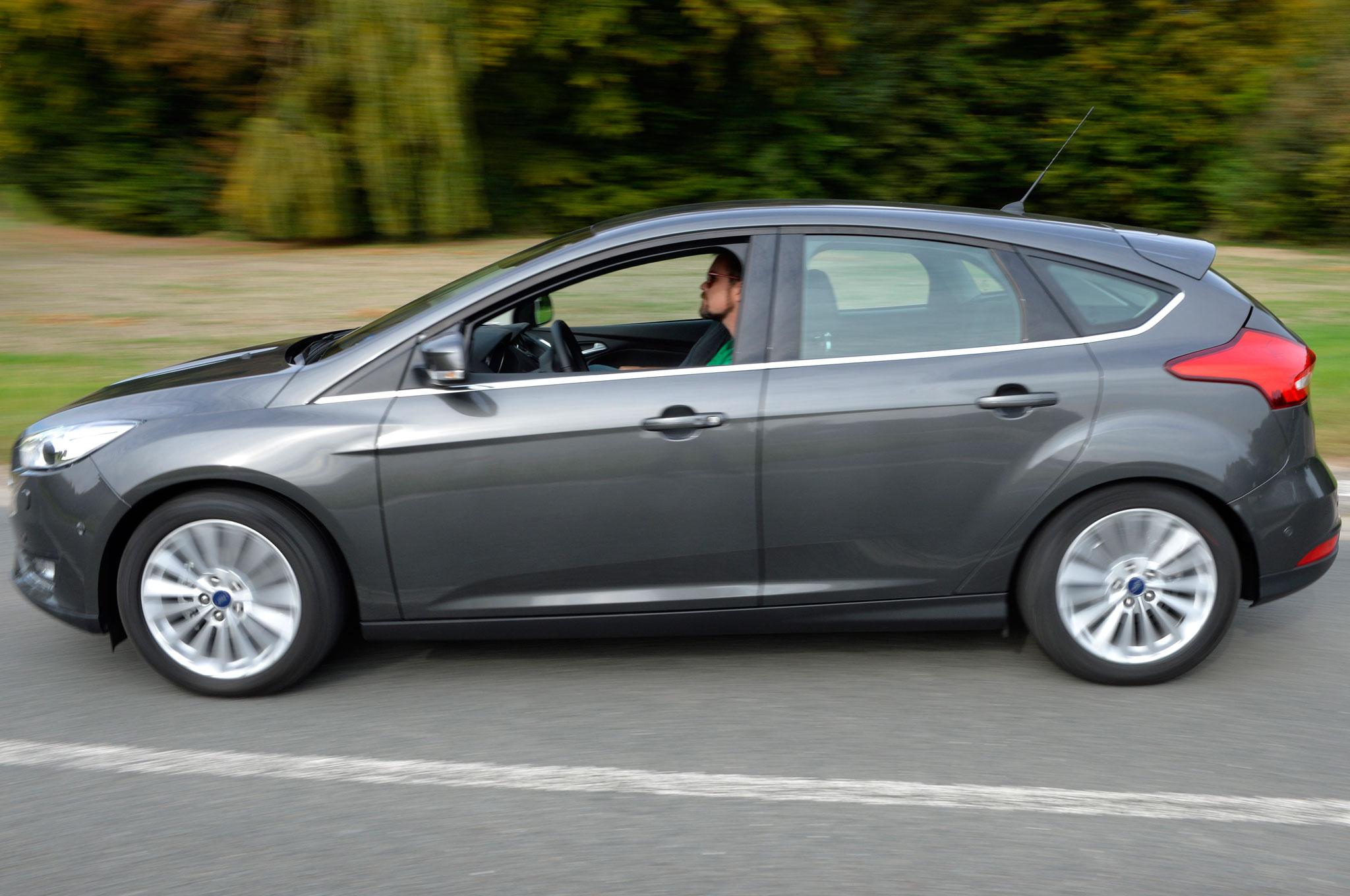 focus back hatchback massive in conti performance rs pressebild blau a ford topic