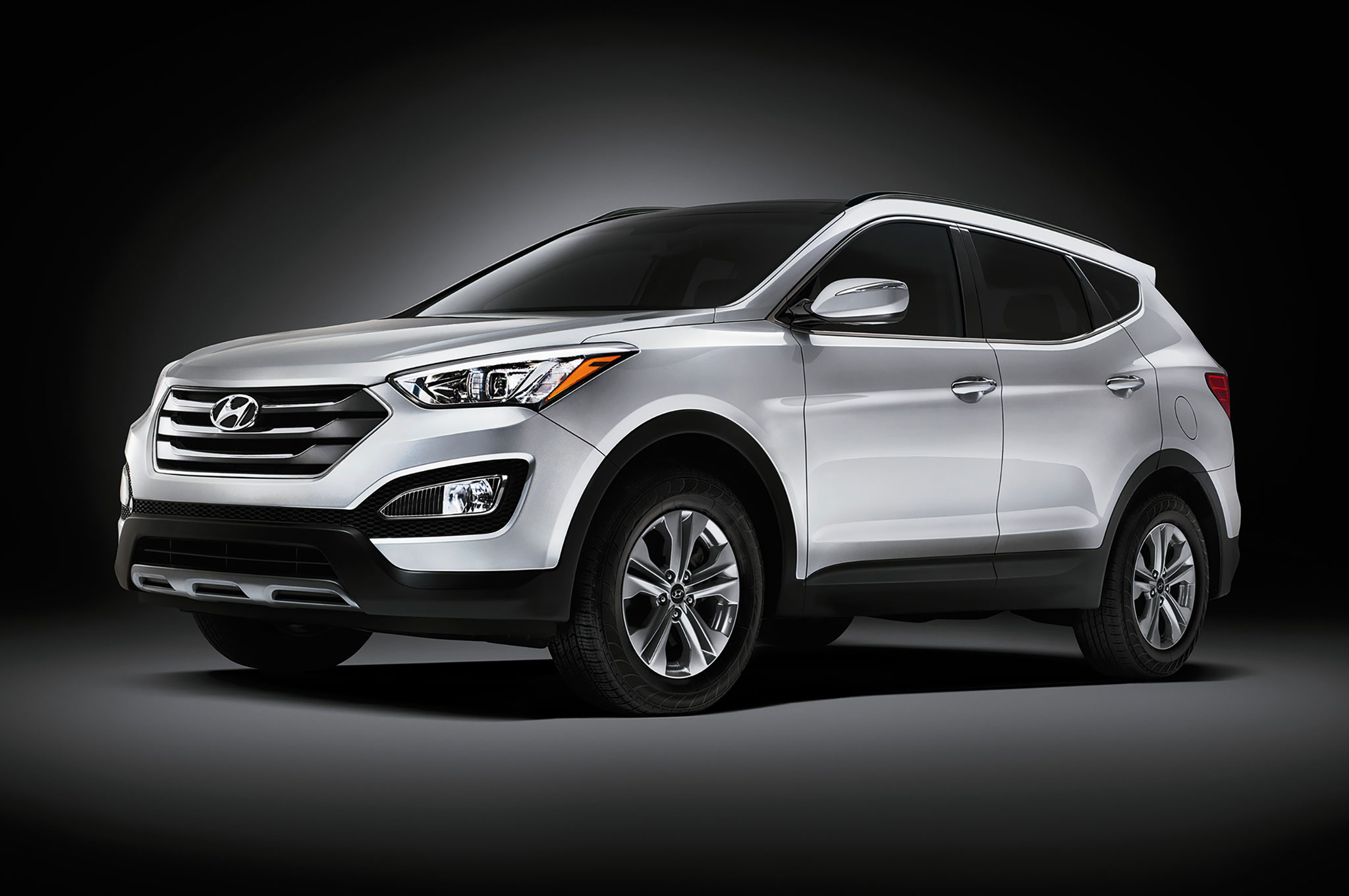 Hyundai Santa Fe Sport Front Three Quarter View In Studio