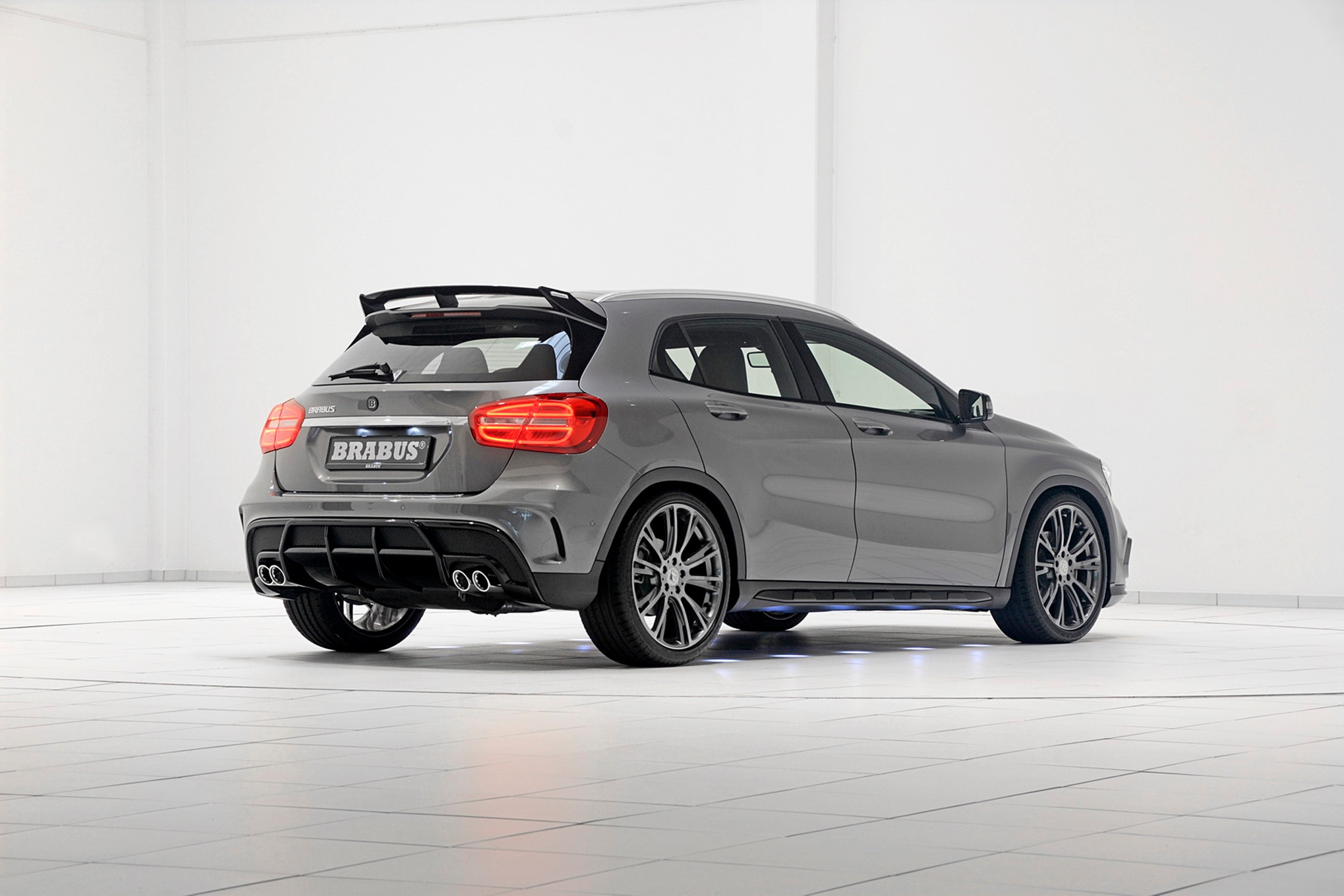 Brabus tunes 2015 mercedes benz gla45 amg to 394 hp for 2015 mercedes benz m class