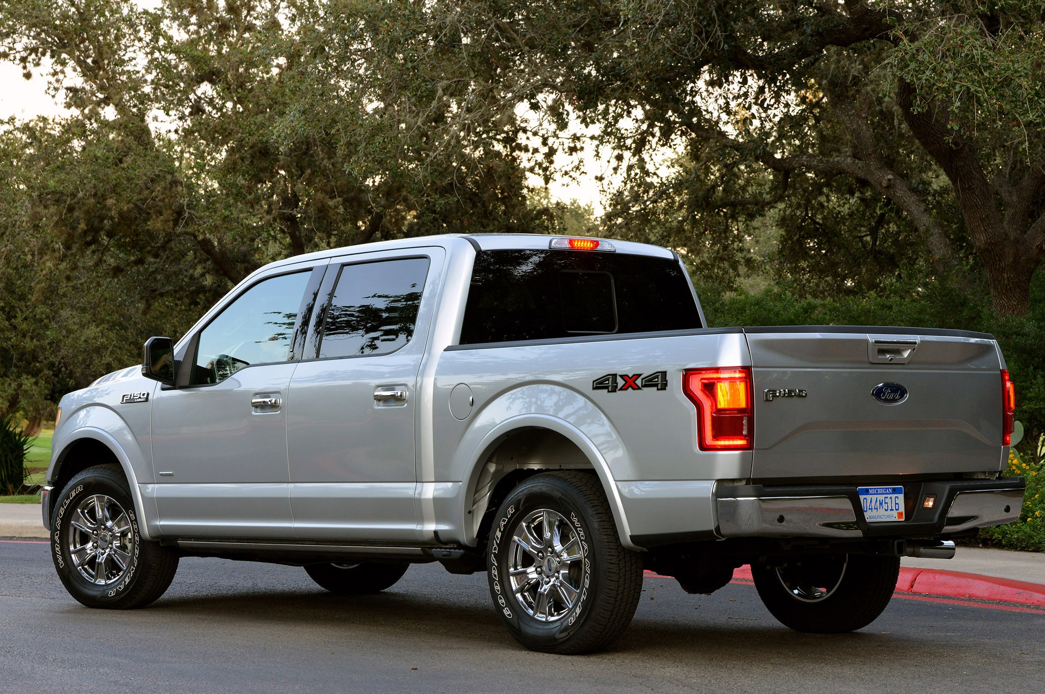 2015 ford f 150 2 7l achieves 18 5 mpg combined in real mpg tests. Black Bedroom Furniture Sets. Home Design Ideas
