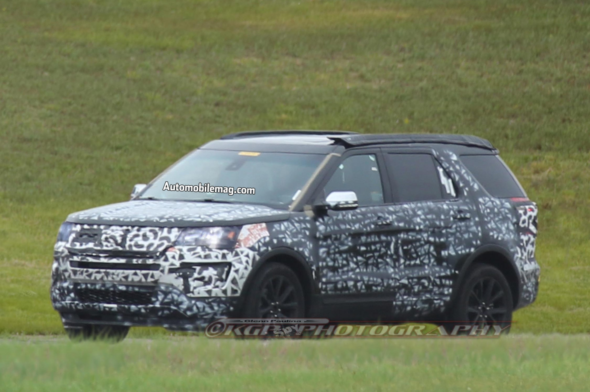 2016 ford explorer spy