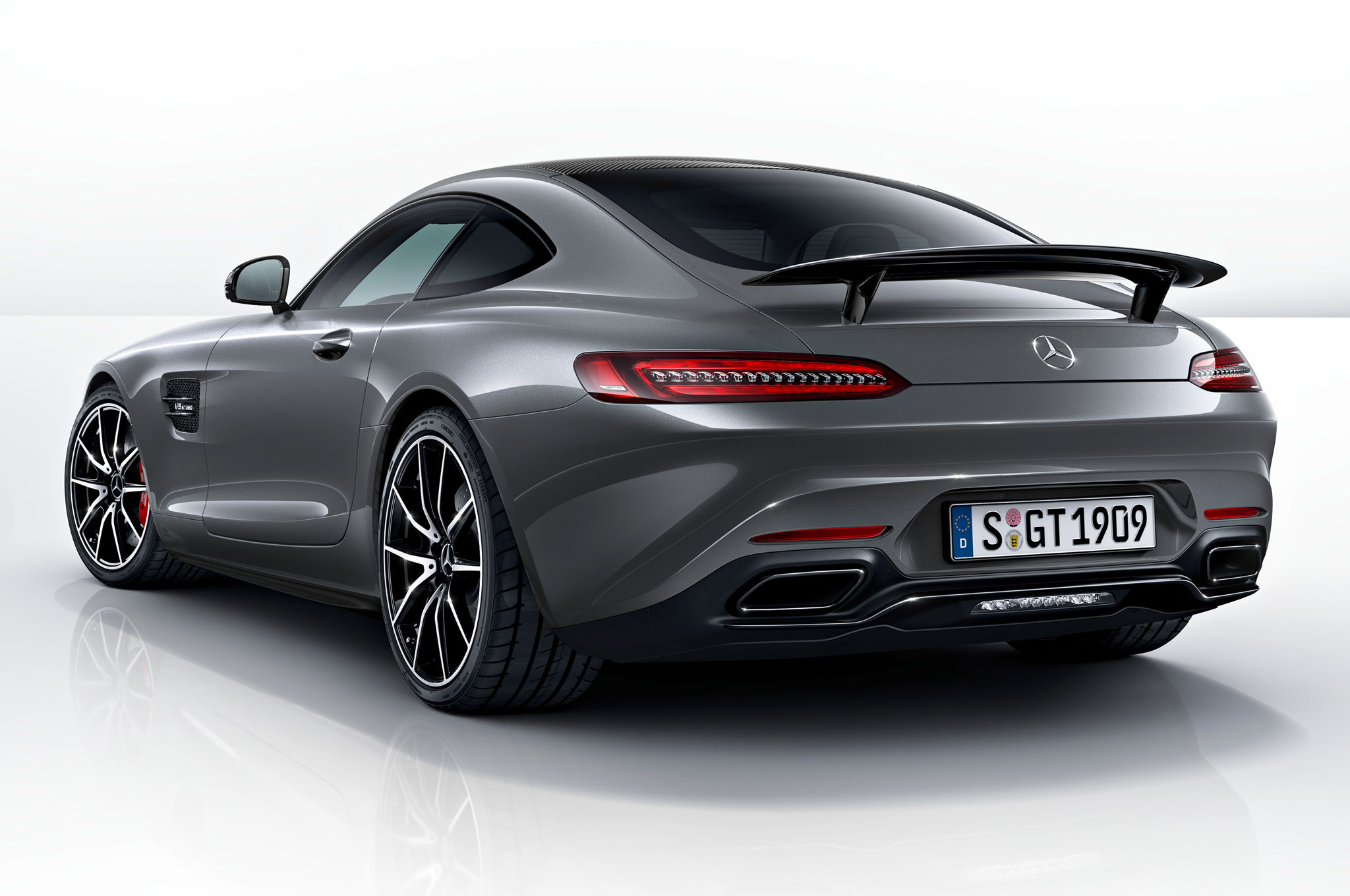 2016 MercedesAMG GT Kicks Off with Edition 1 Model