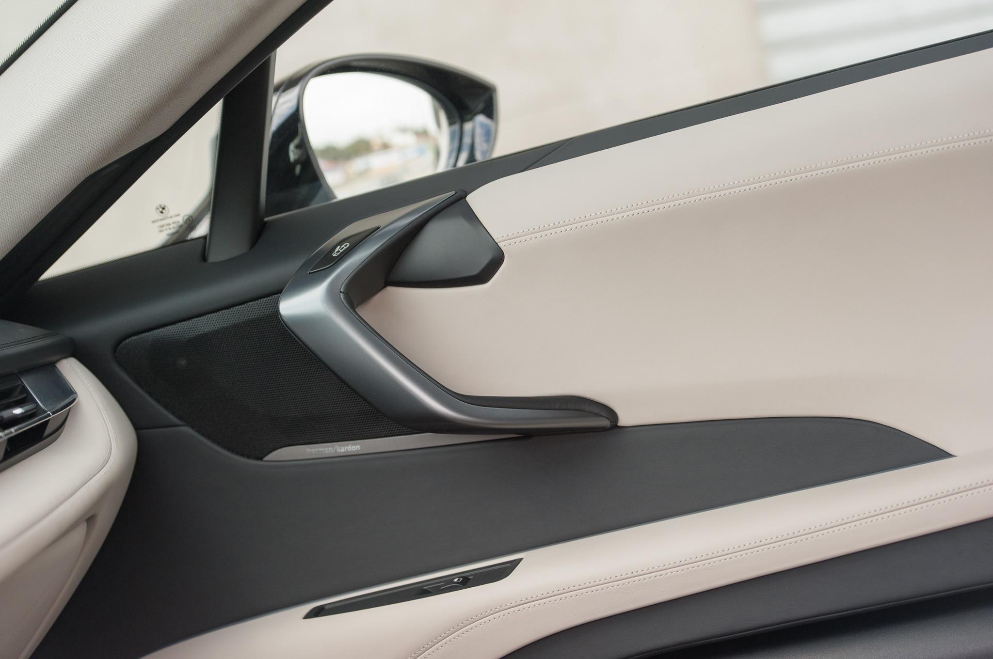 bmw i8 2015 automobile all star automobile magazine. Black Bedroom Furniture Sets. Home Design Ideas
