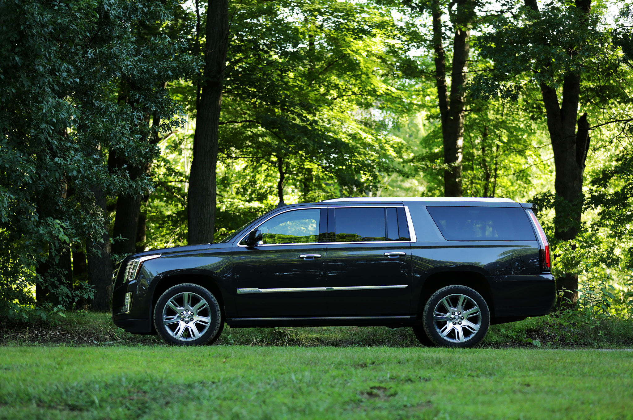 2015 cadillac escalade esv around the block. Black Bedroom Furniture Sets. Home Design Ideas