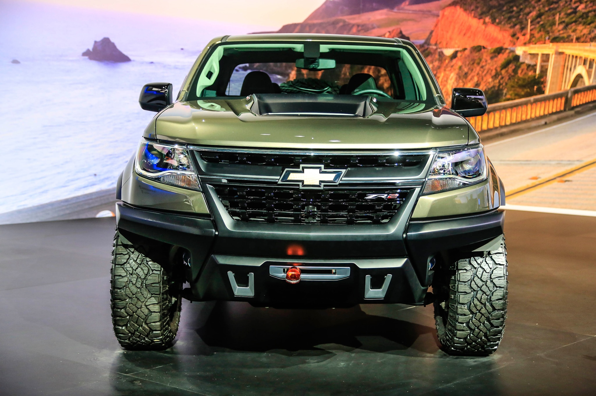 chevrolet colorado zr2 concept debuts in l a. Black Bedroom Furniture Sets. Home Design Ideas