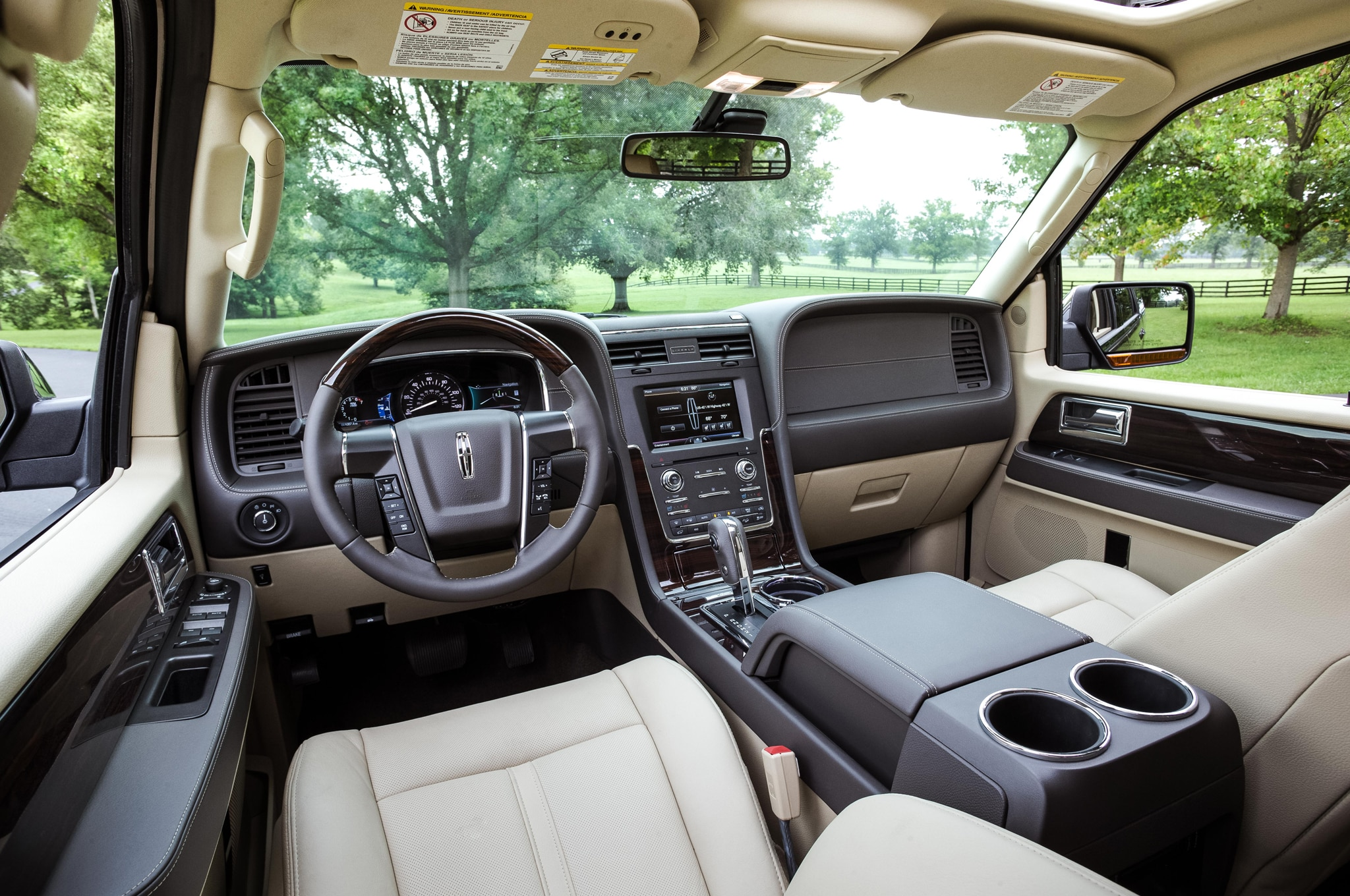 2015 Lincoln Navigator Around the Block