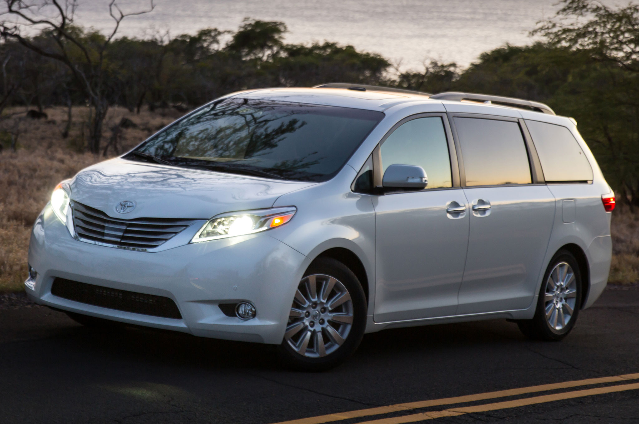 sienna news wheel toyota overview se the