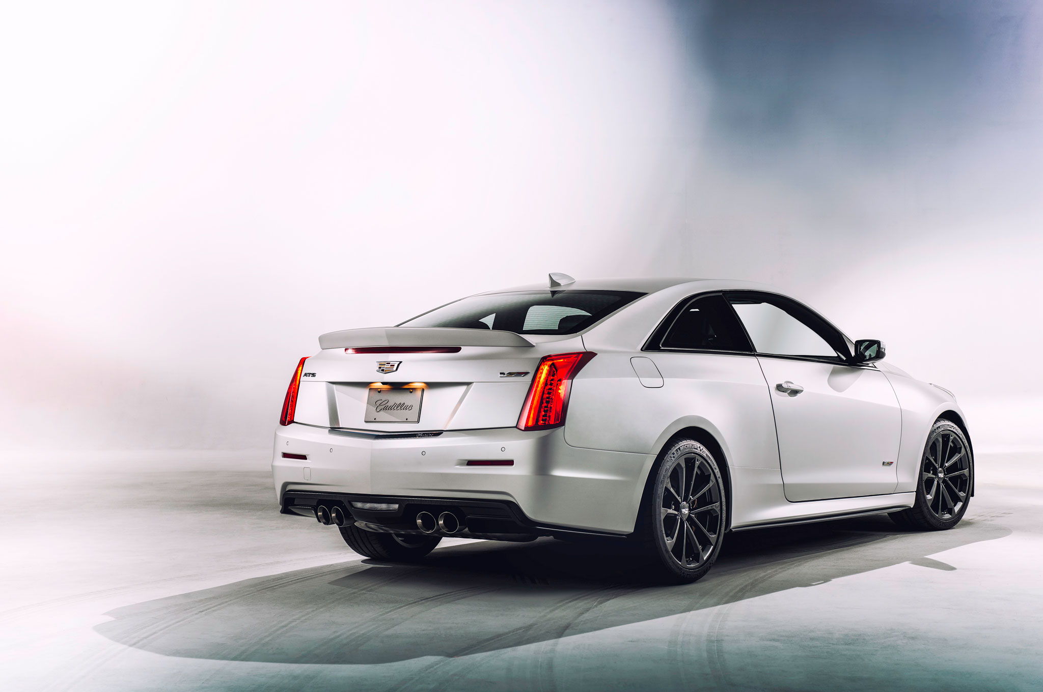2016 cadillac ats v outmuscling the m3. Black Bedroom Furniture Sets. Home Design Ideas
