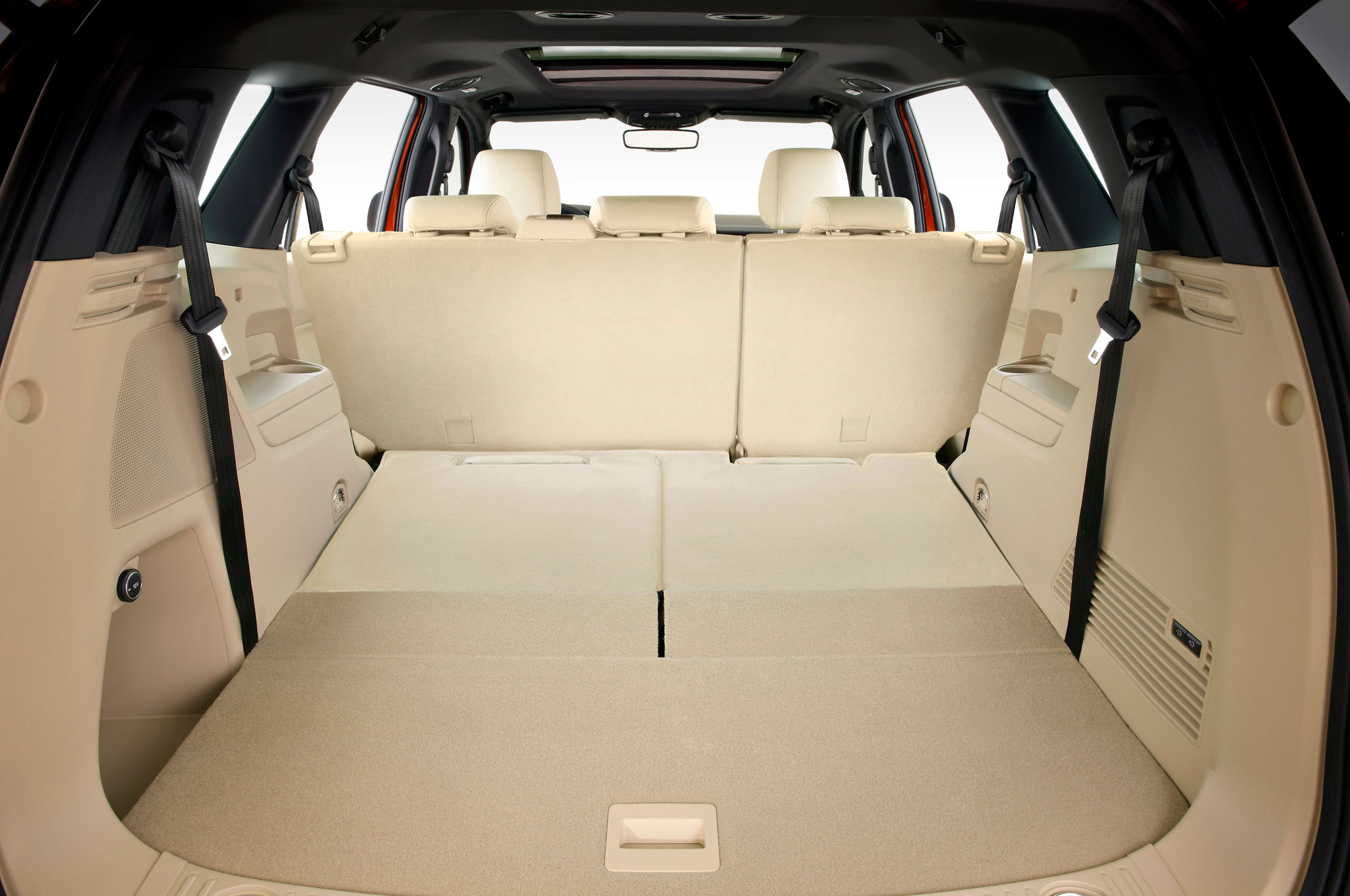 2016 ford everest interior cargo area third row down