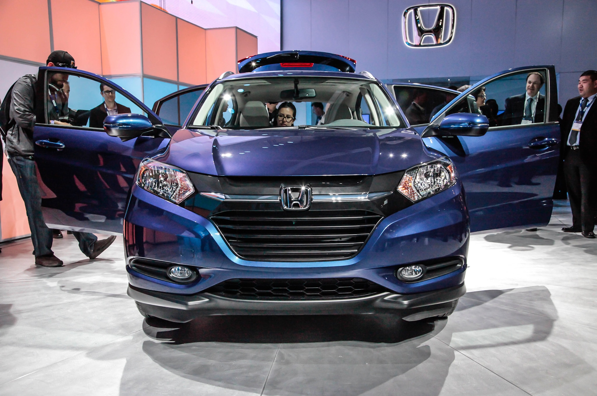 2016 honda hr v uses civic 39 s 1 8 liter engine. Black Bedroom Furniture Sets. Home Design Ideas