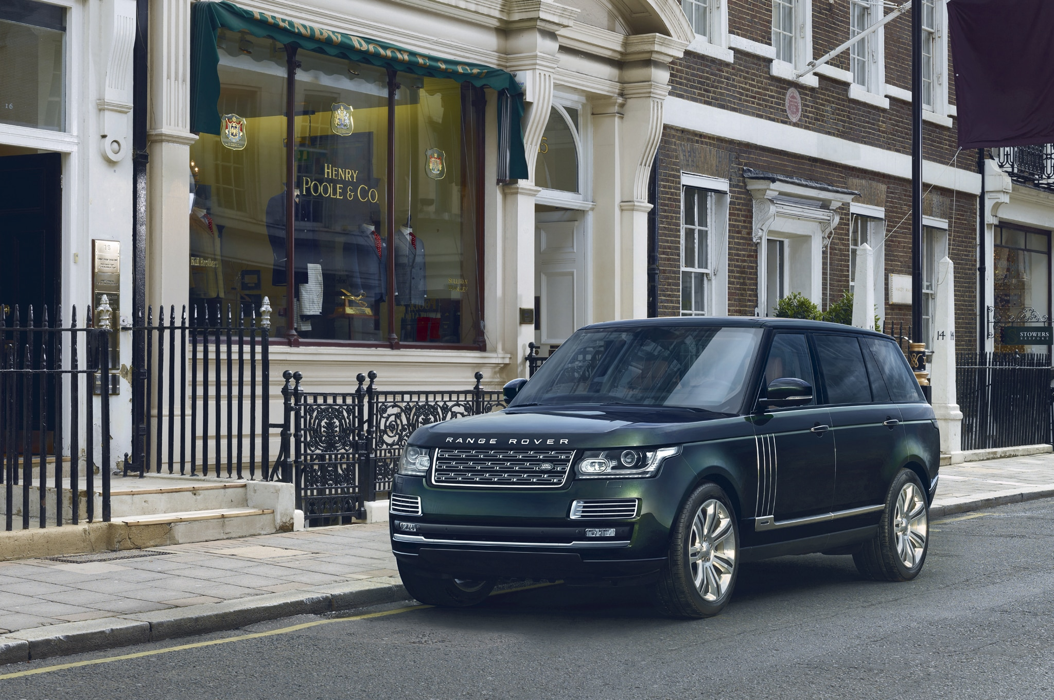 Land Rover Range Rover Black Holland And Holland Edition Front Three Quarter